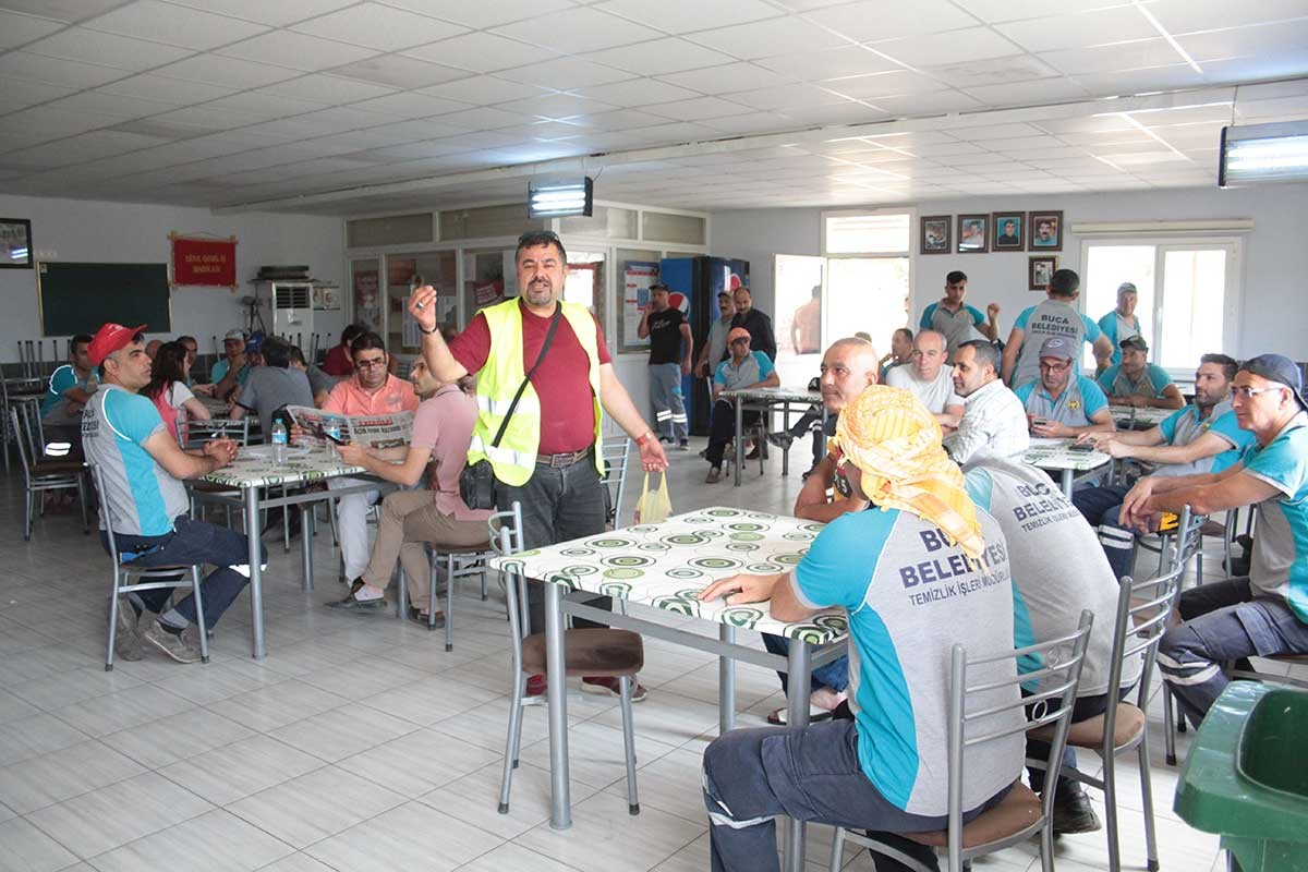 Temizlik işçileri: Bizim bayramlığımız iş kıyafetlerimiz