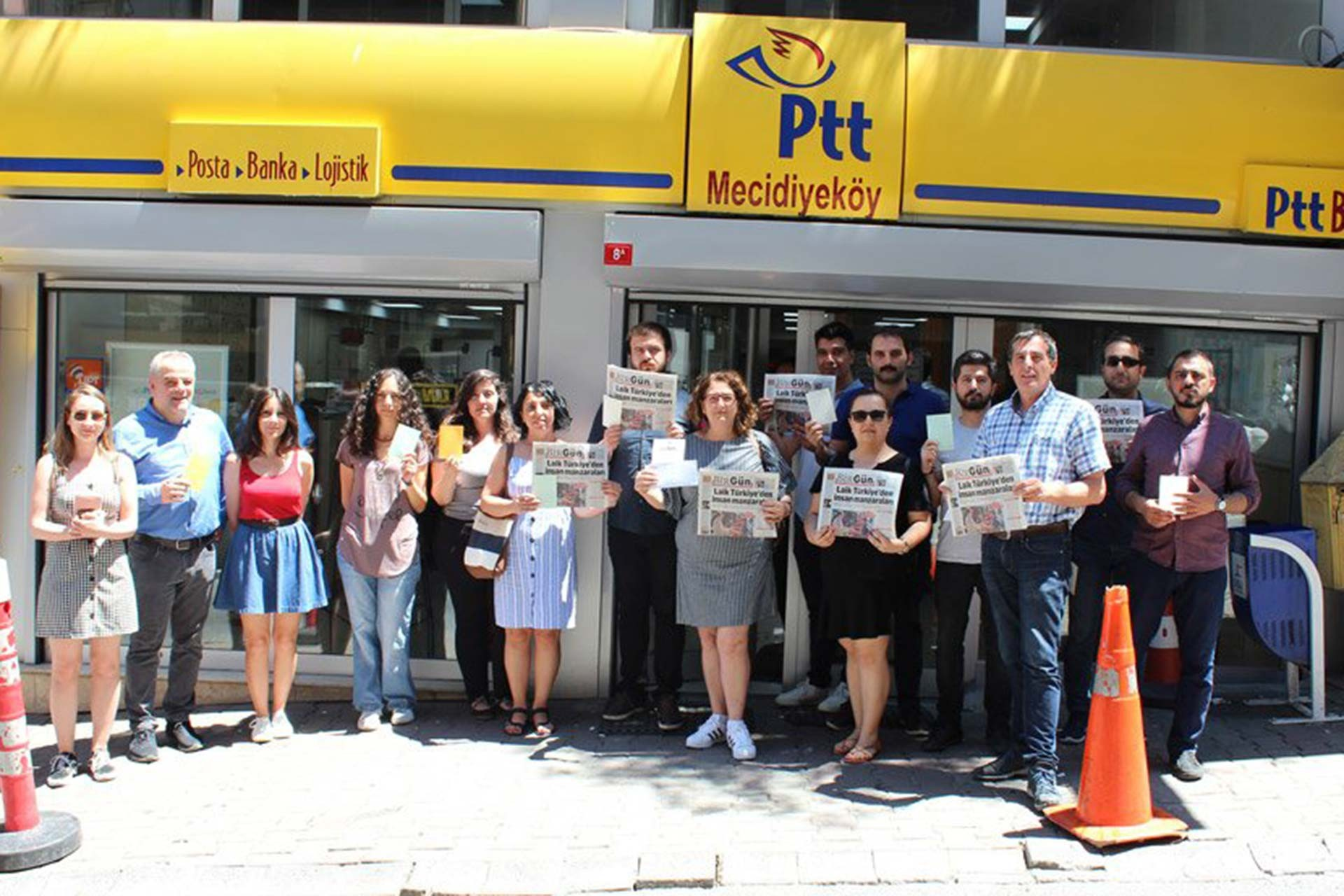 BirGün çalışanları, cezaevindeki Cumhuriyet gazetesi çalışanlarına kart yolladı