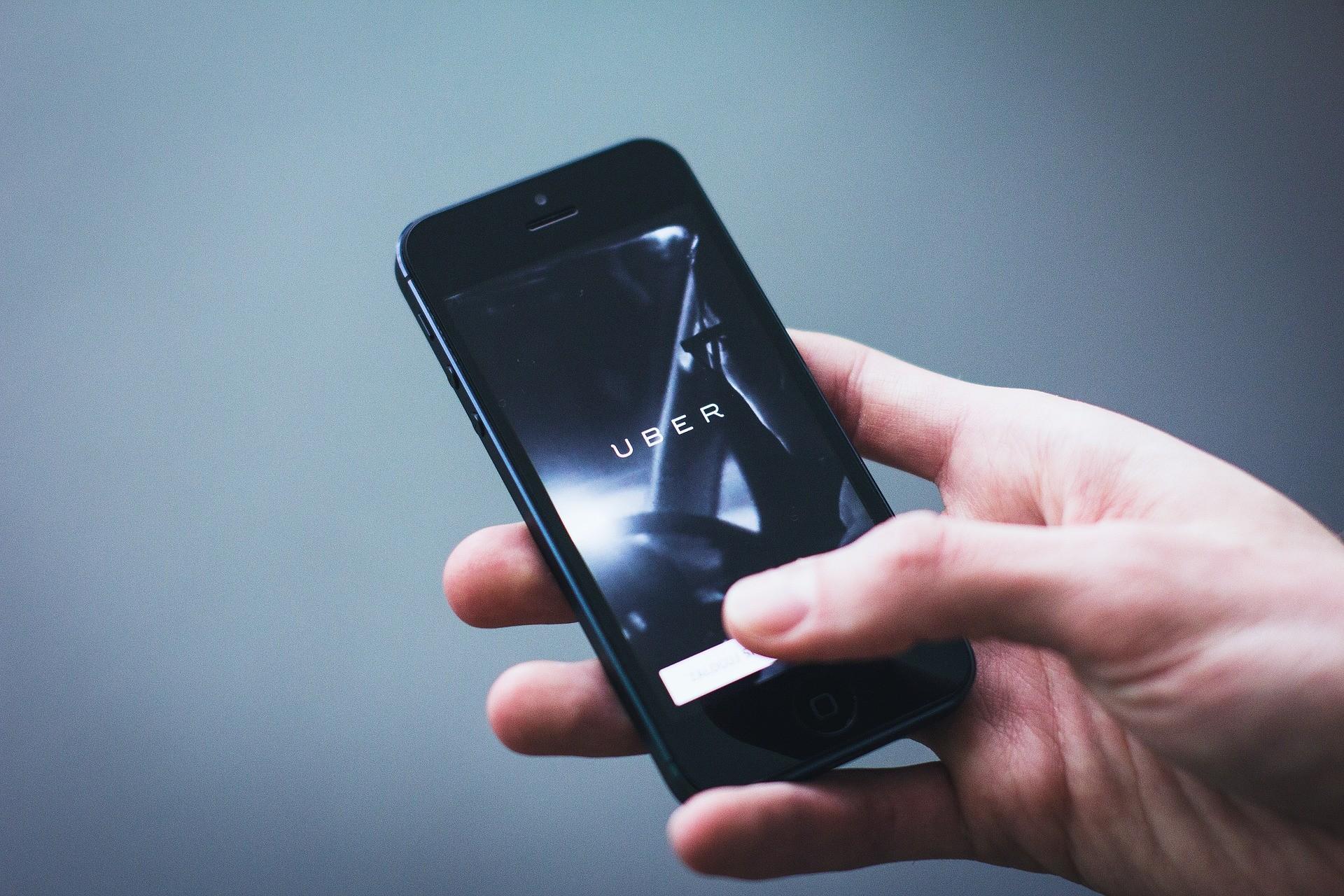 Uber, İstanbul'daki faaliyetlerini bugünden itibaren durdurdu