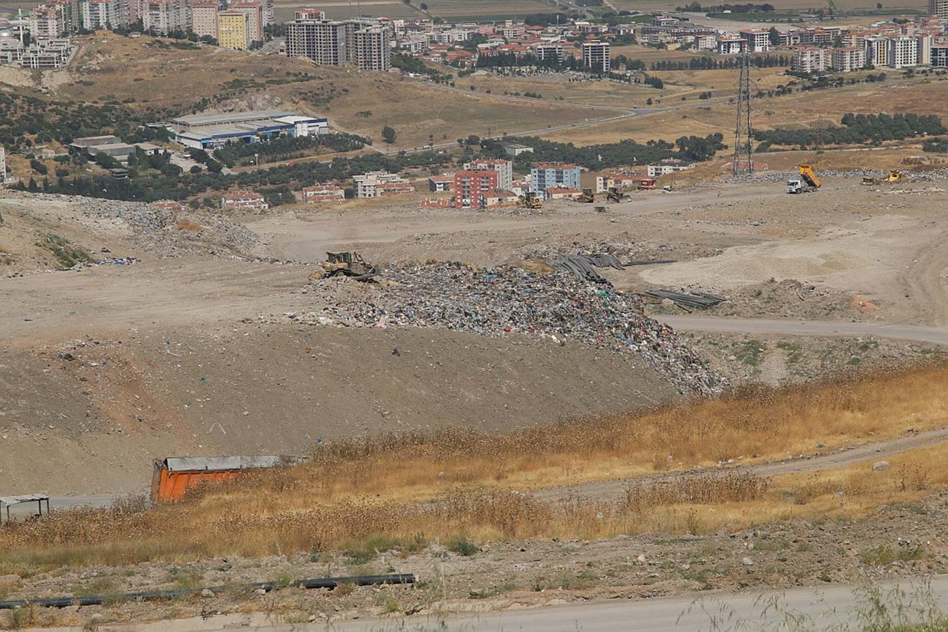 İzmir Büyükşehir Belediyesi Harmandalı çöplüğünü enerji santraline dönüştürecek
