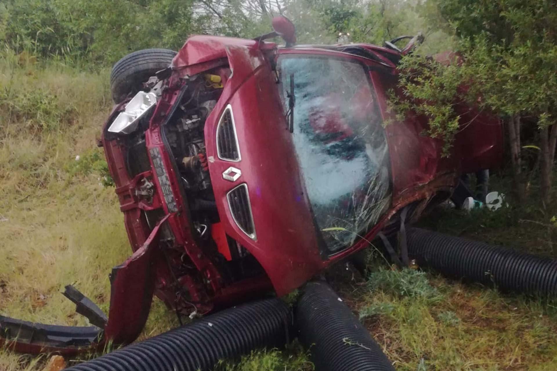 Bayram tatiline giden işçileri taşıyan araç devrildi, araçtaki 5 kişi yaralandı