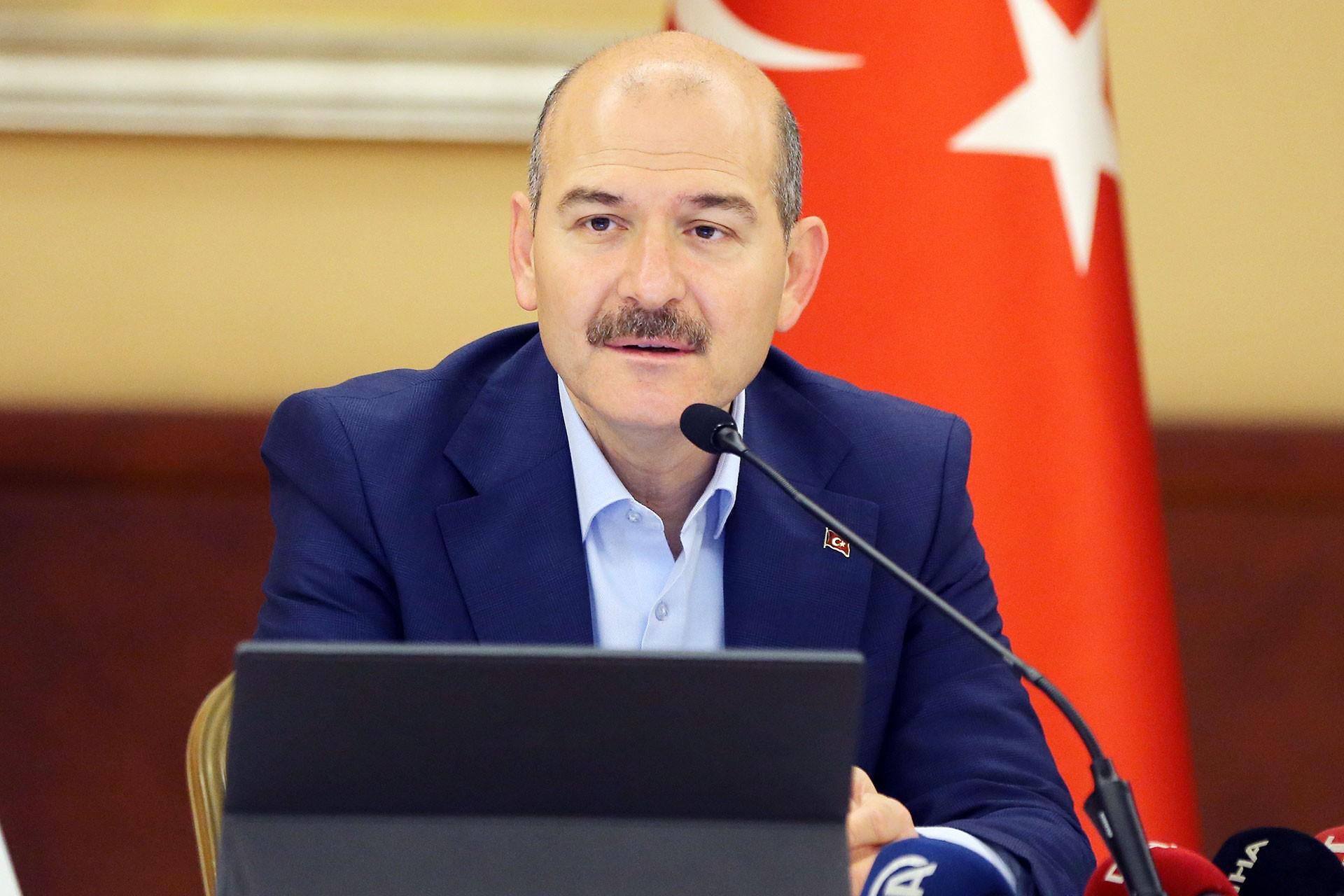 Süleyman Soylu, Trabzon'da 'Her şey çok güzel olacak' sloganıyla protesto edildi