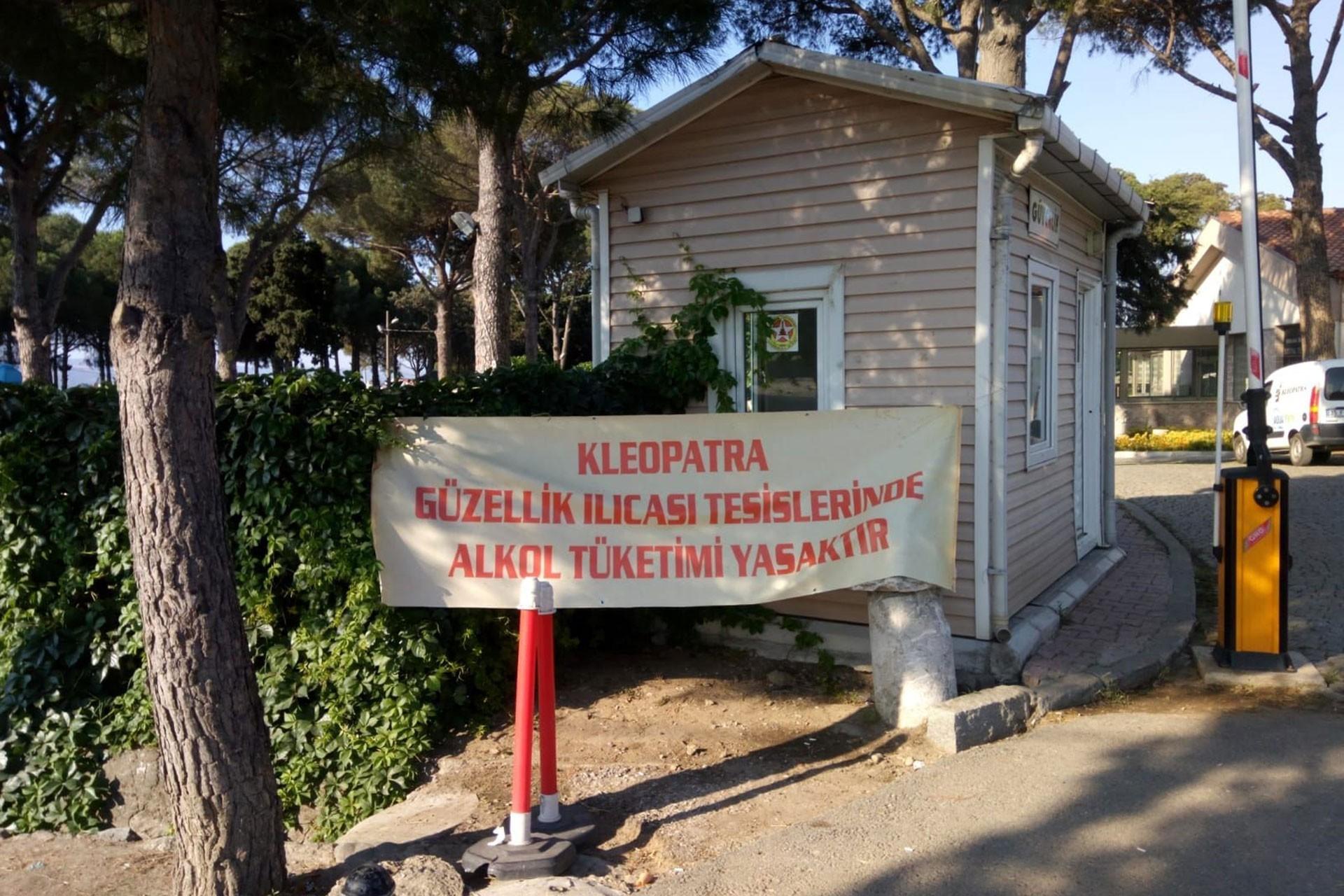 AKP'li Bergama Belediyesinden alkol yasağı