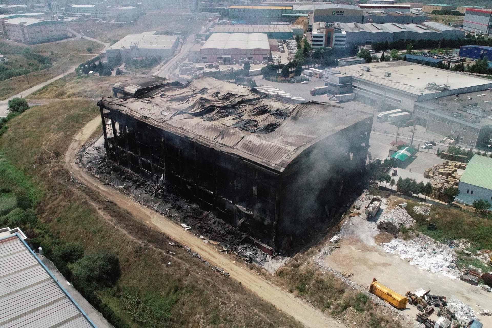 Kocaeli Akpınar Tekstil'de yanarak can verenlerin 4'ü mülteci işçi