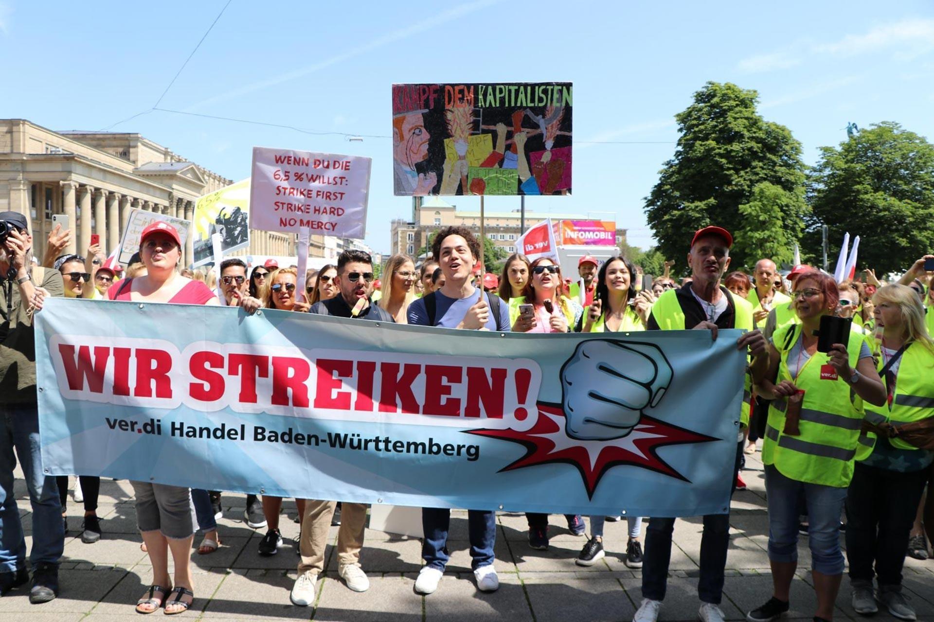 Almanya'da perakende sektörü işçilerinin uyarı grevleri büyüyerek sürüyor
