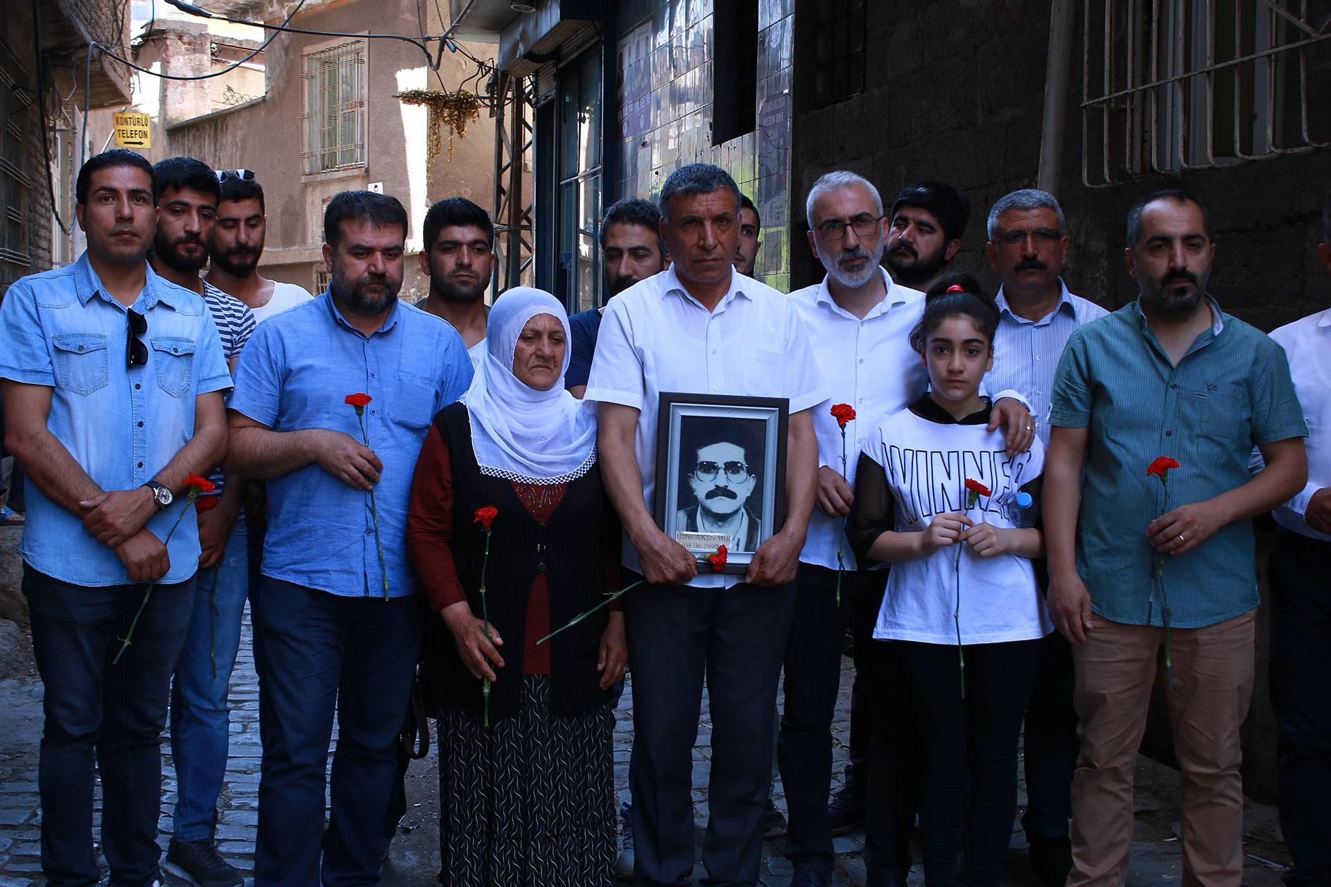 Gazeteci Hafız Akdemir, öldürüldüğü yerde anıldı