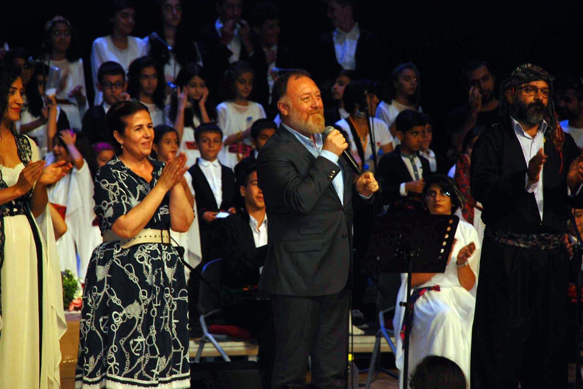 HDP Eş Genel Başkanı Sezai Temelli, Sur Çocuk Festivalinde konuştu
