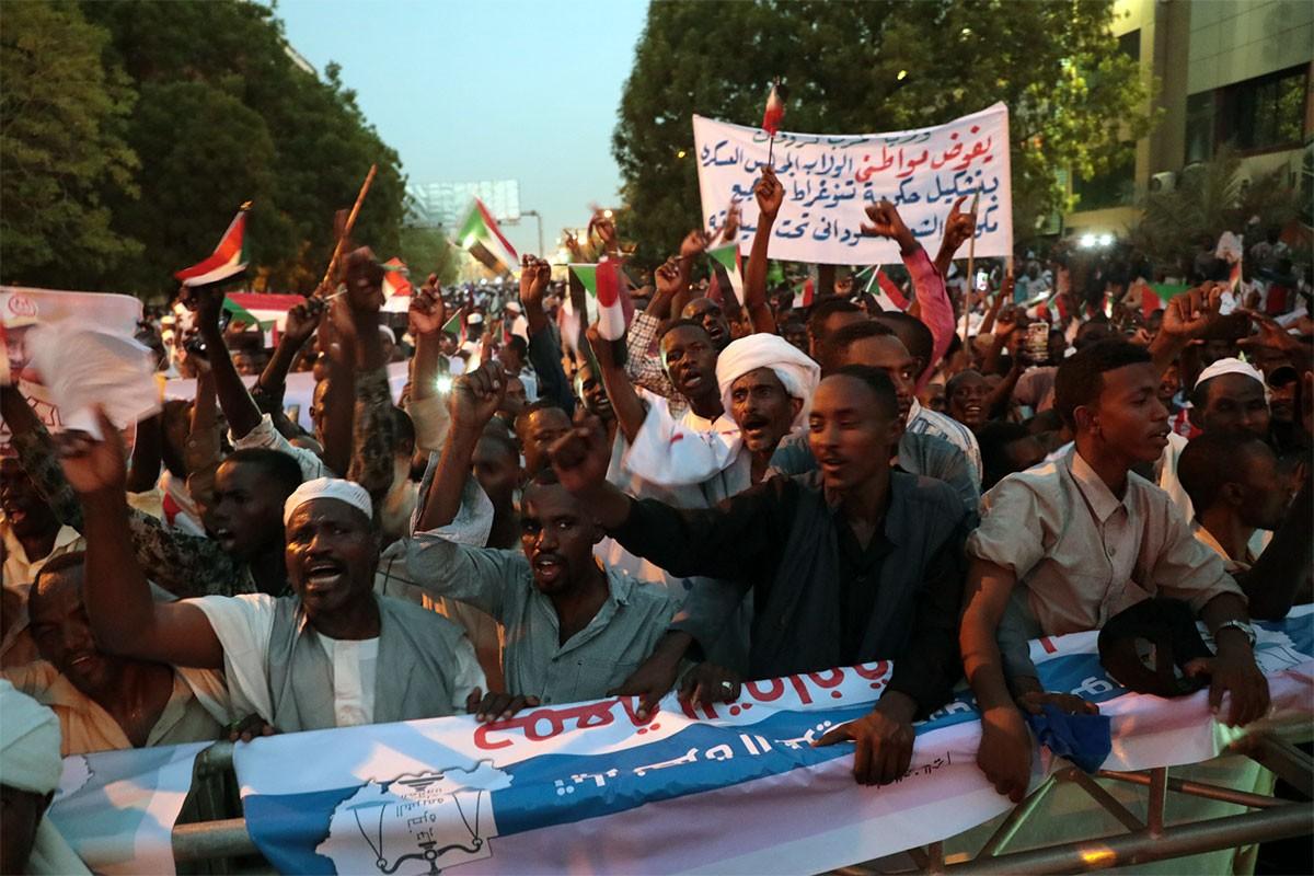 'Hartum'daki saldırılarda 70'ten fazla kişi tecavüze uğradı'