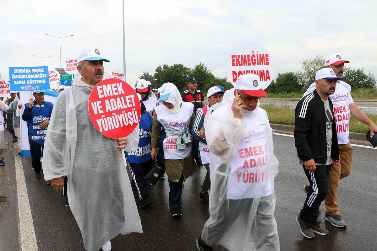 Bolu Belediyesi işçilerinin yürüyüşü 3. gününde sürdü