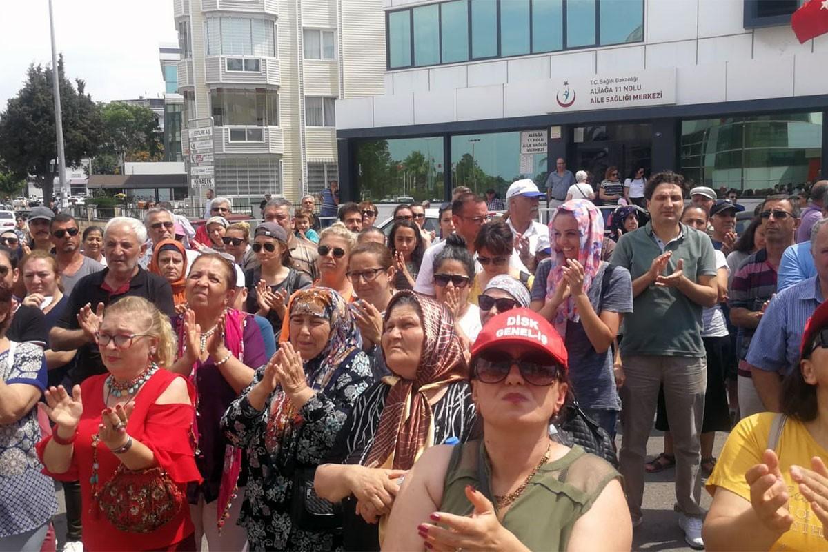 Aliağa Belediyesi işçileri aileleriyle eylemde: Atılan işçiler geri alınsın