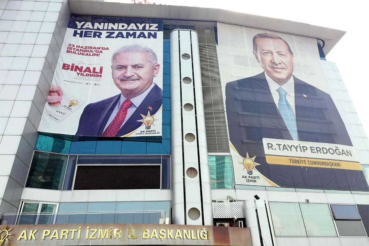 Erdoğan'ın eski danışmanı Aydın Ünal: Kampanya rakibe yarıyor