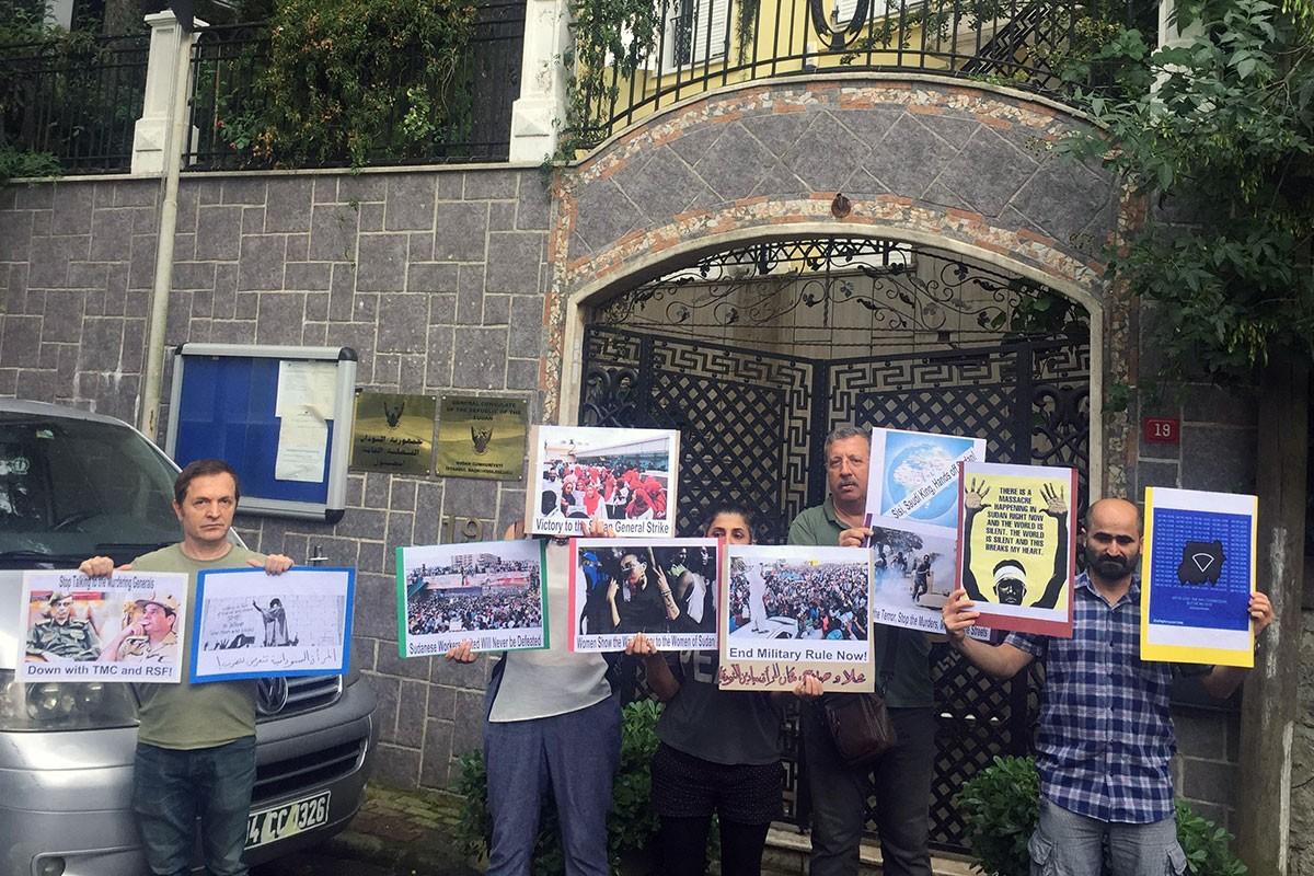 Sudan'da halkı katleden darbeciler İstanbul'da protesto edildi