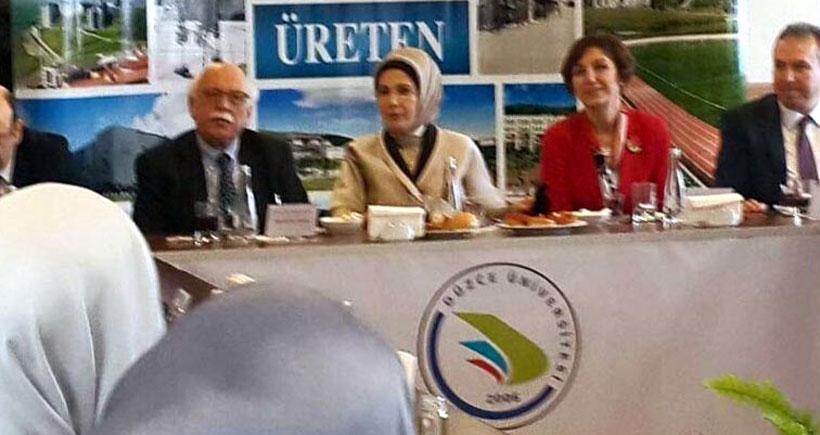 Emine Erdoğan, Düzce Üniversitesi'nde konferans verdi