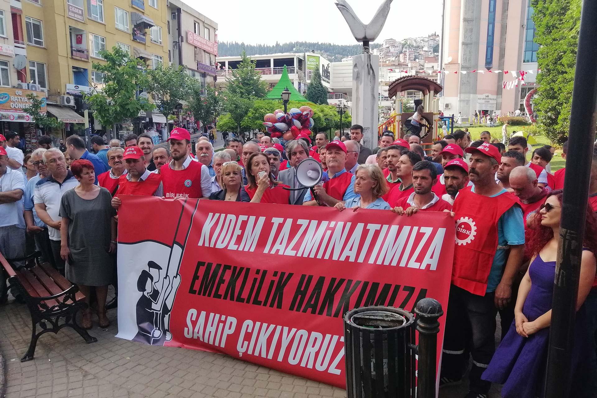 DİSK, Kocaeli'de 15-15 Haziran'ın yıl dönümü dolayısıyla açıklama yaptı
