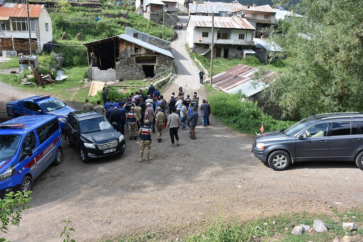 Heyelan yaşanan Savaşır köyü tahliye edilebilir