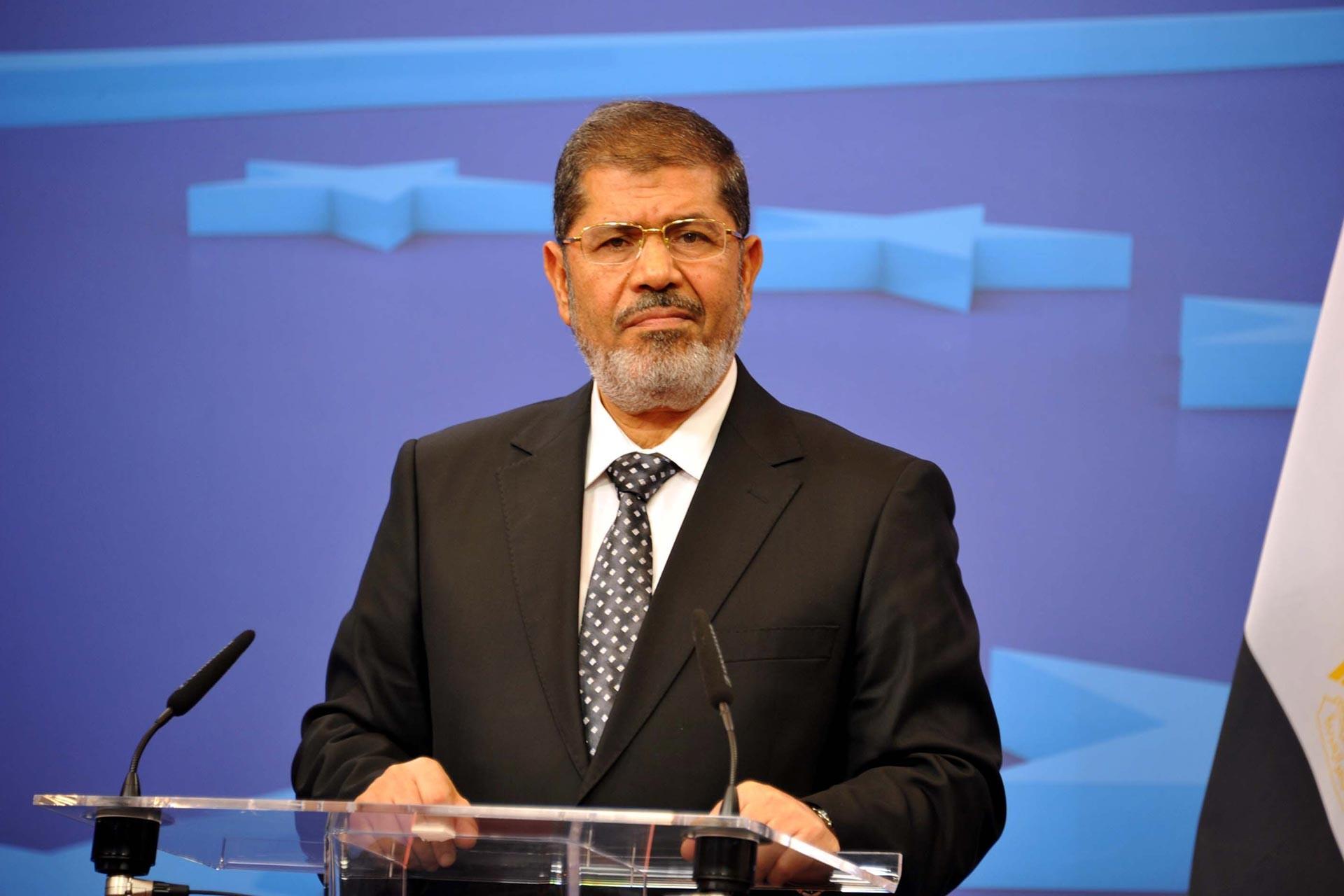 Mısır'ın devrik Cumhurbaşkanı Muhammed Mursi mahkeme salonunda öldü