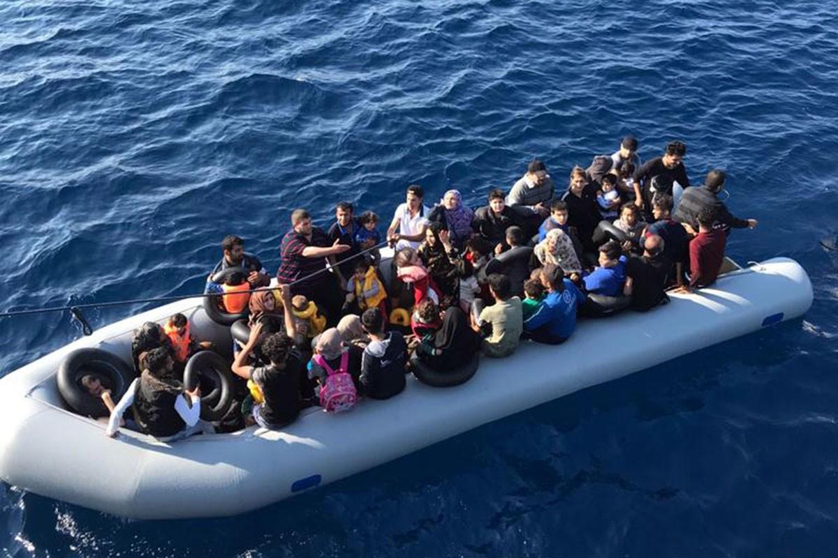 ABD göçmenlere devlet desteğini kesecek, oturum izni vermeyecek