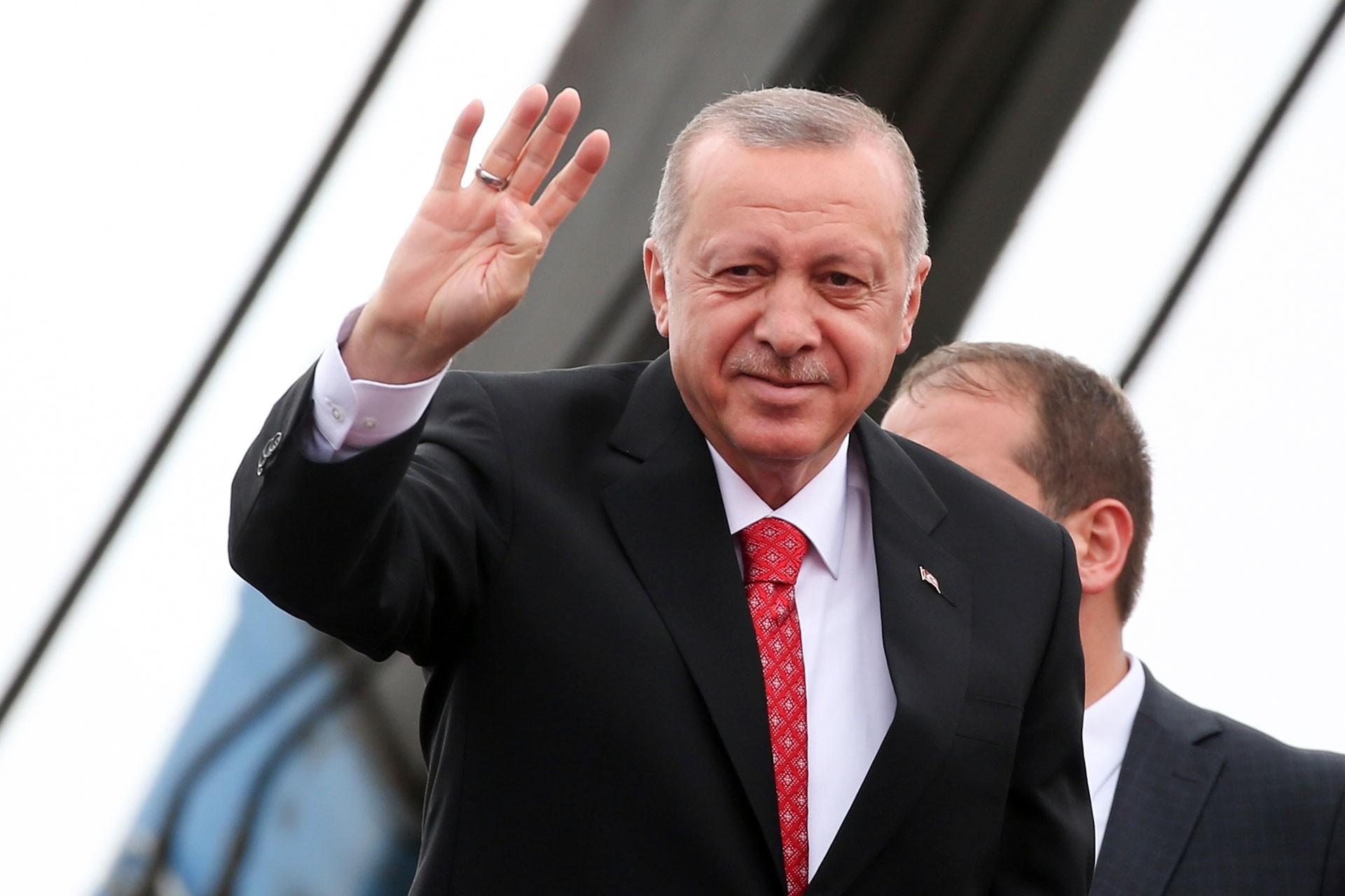 Erdoğan gerilimi artırıyor: Pazar günü Sisi mi diyeceğiz, Binali Yıldırım mı?