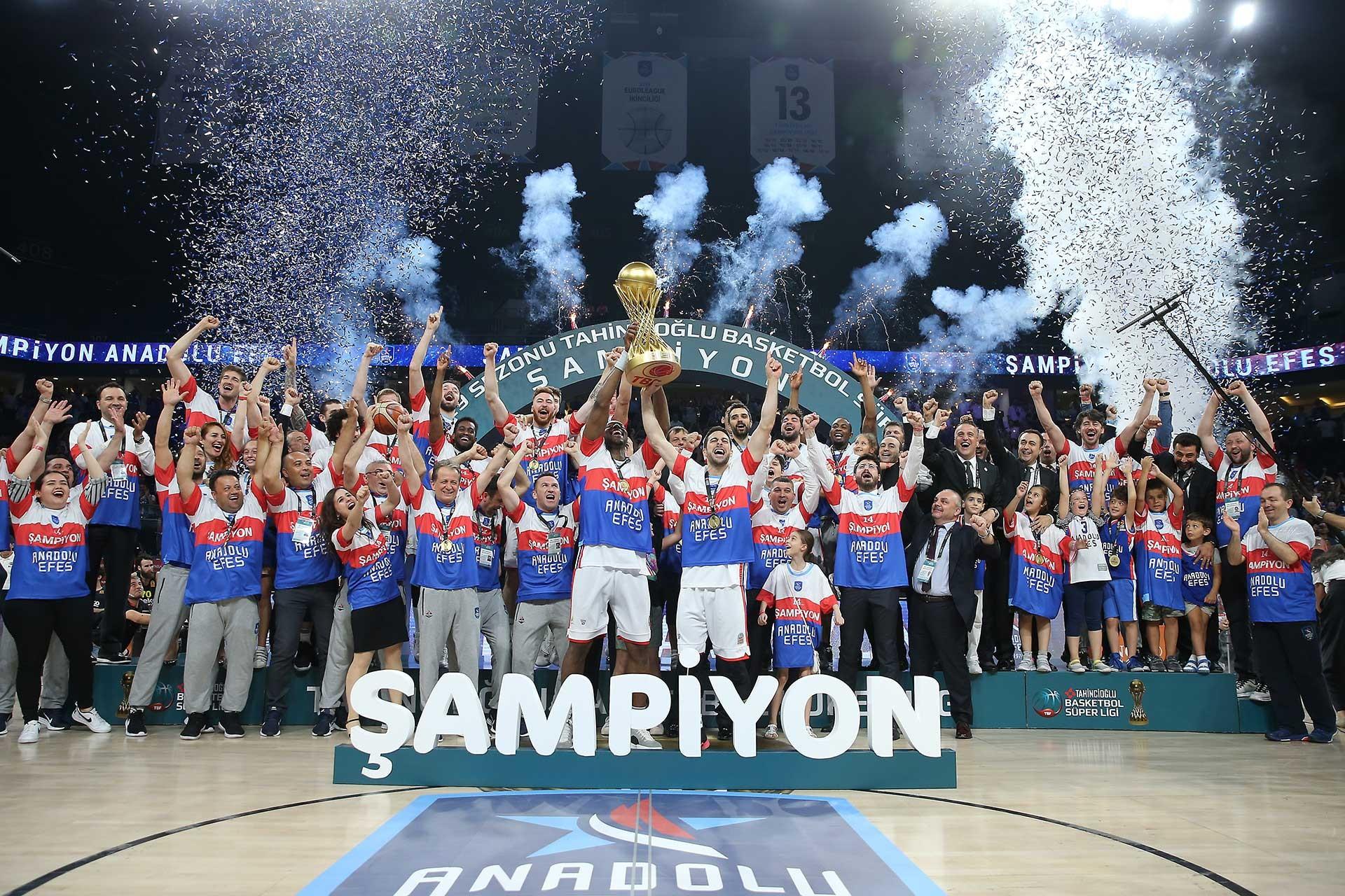 Basketbol Süper Liginde şampiyon Anadolu Efes