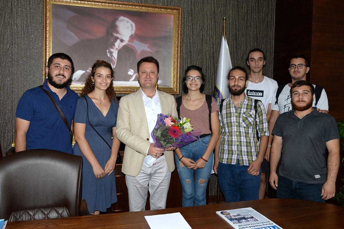 İzmir Emek Gençliğinden Menemen Belediye Başkanı'na ziyaret