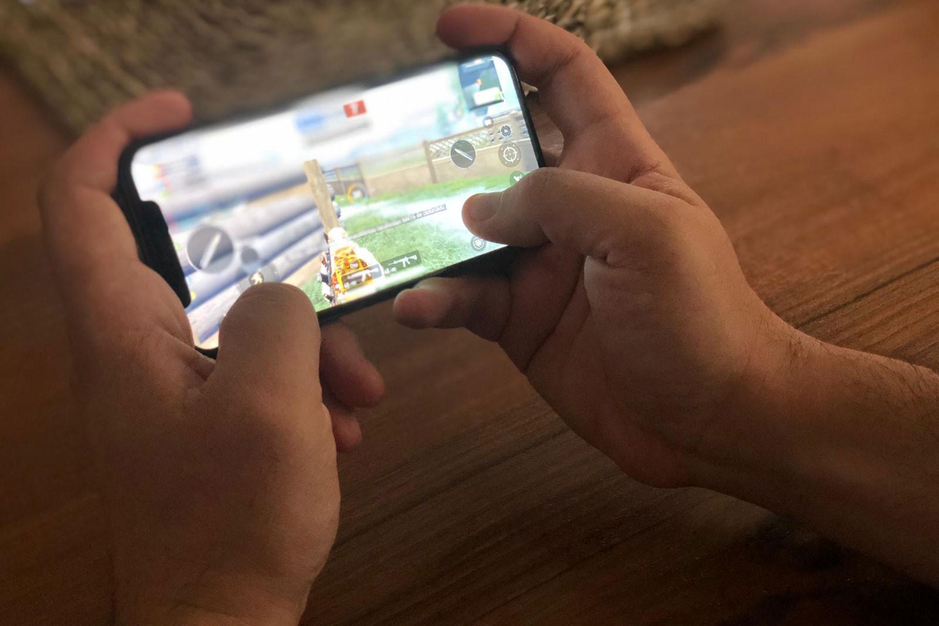 Otomotiv fabrikalarında işçiler mobil oyuna yöneliyor