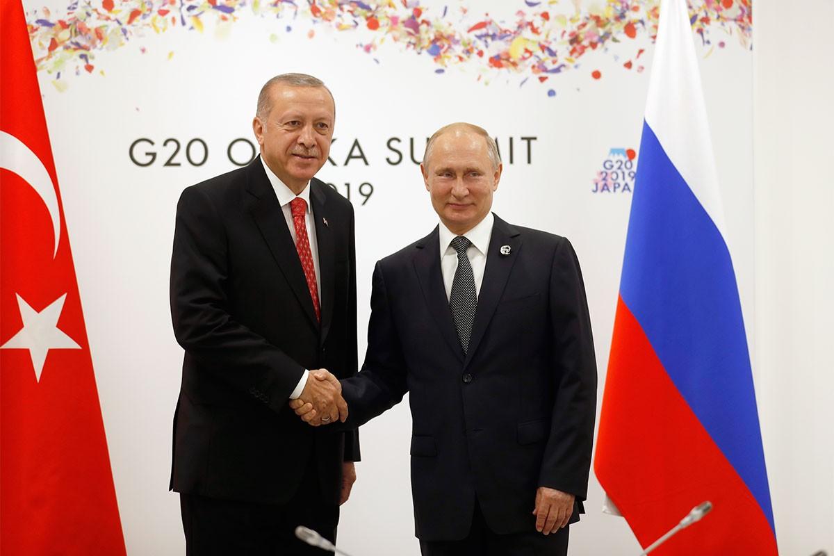 Erdoğan ve Putin telefonla Libya'da süren iç çatışmaları görüştü
