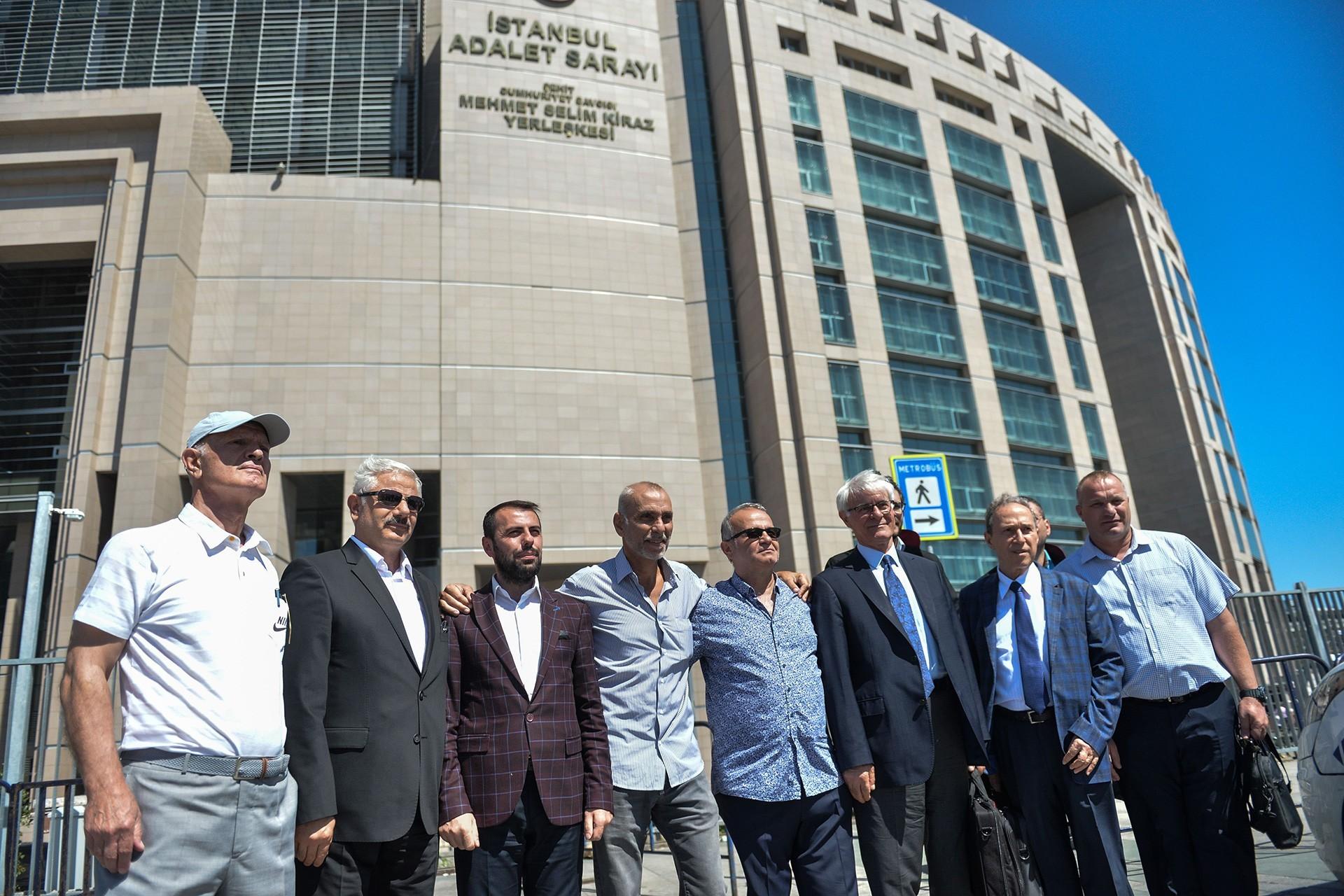 Ergenekon davasında tüm sanıklar 'örgüt kurma ve yönetme'den beraat etti