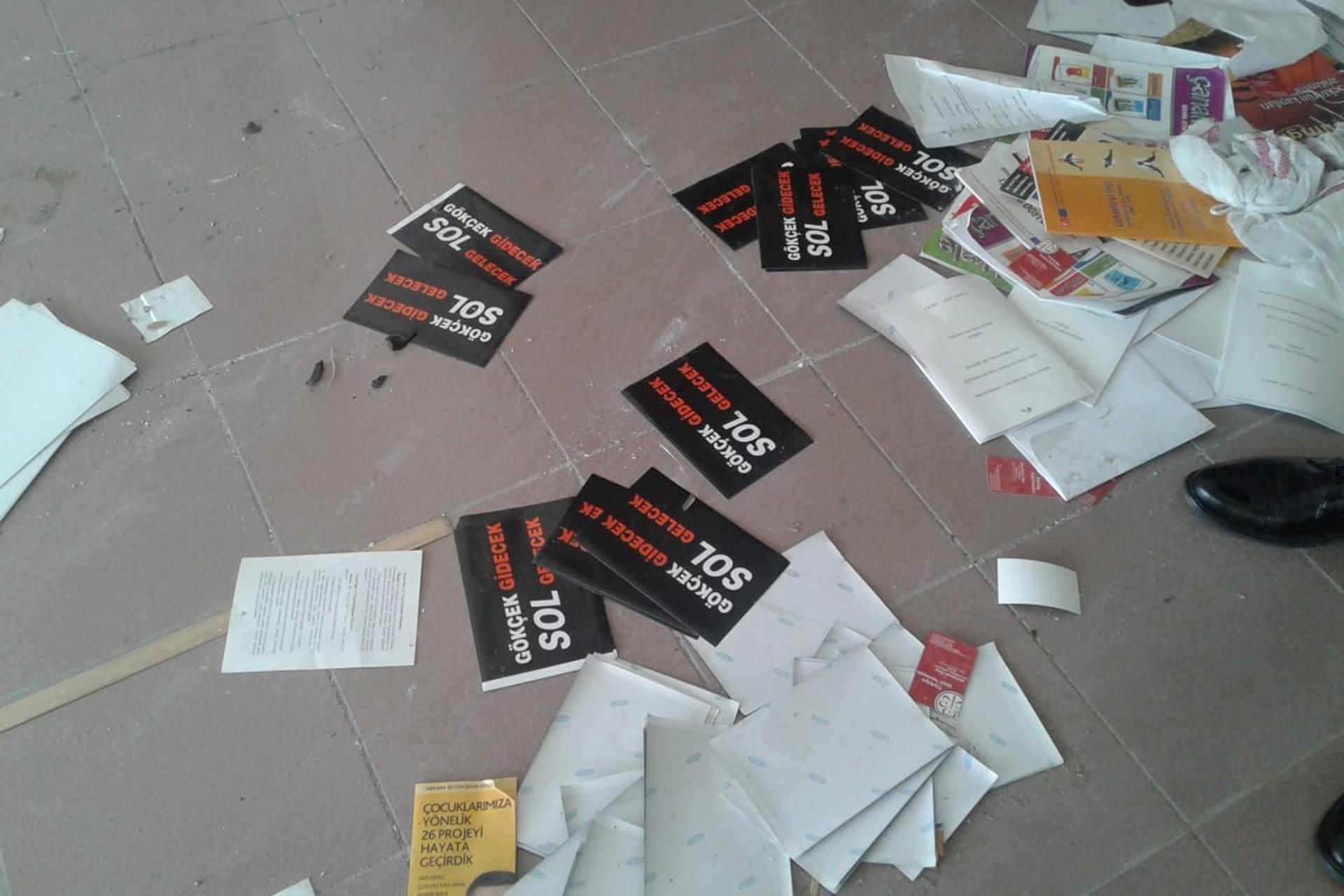 Ankara Büyükşehir Belediyesine ait depoda Gökçek'in provokatif broşürleri çıktı