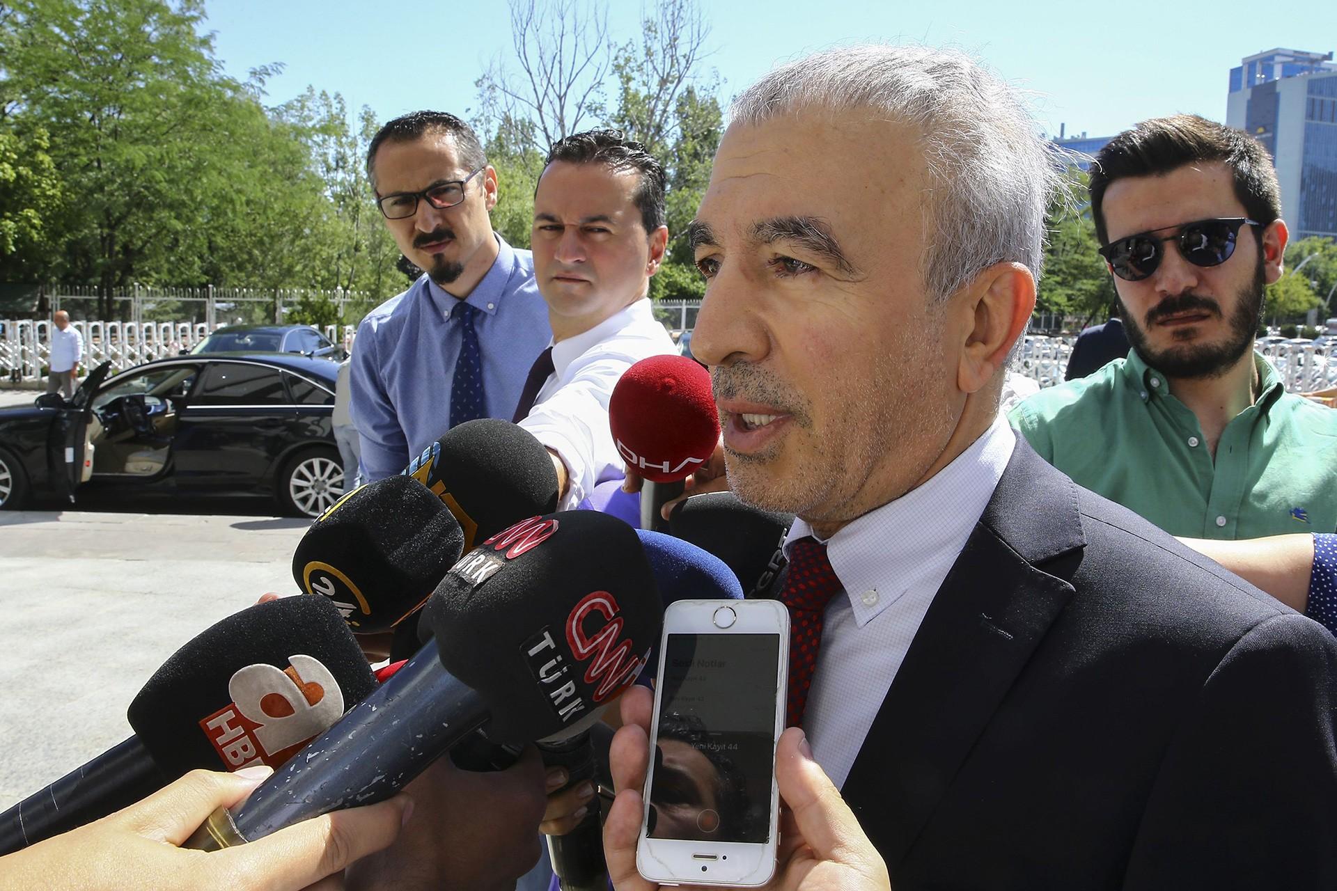AKP'de revizyon tartışmasında endişe: Önce 'rehabilite' dedi, şimdi 'abartmayın'