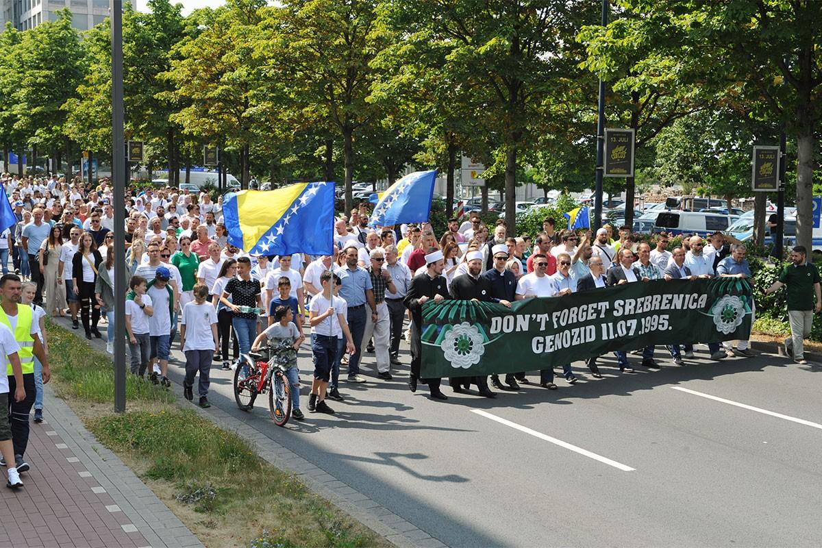 Almanya'da Srebrenitsa için 'Barış Yürüyüşü' düzenlendi