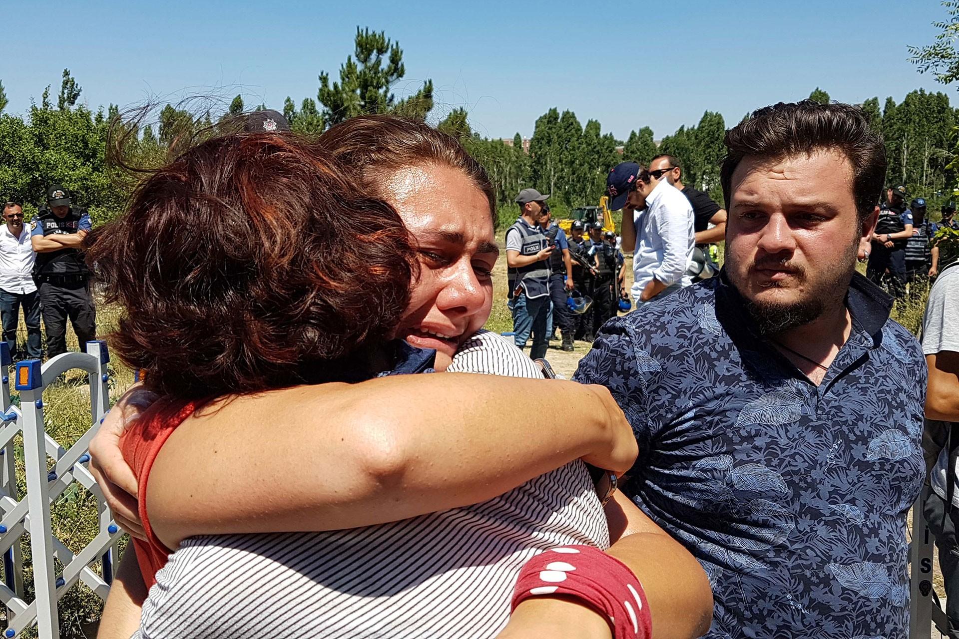 ODTÜ'de KYK yurdu inşaatı nöbetine polis saldırısı ve ağaç katliamı