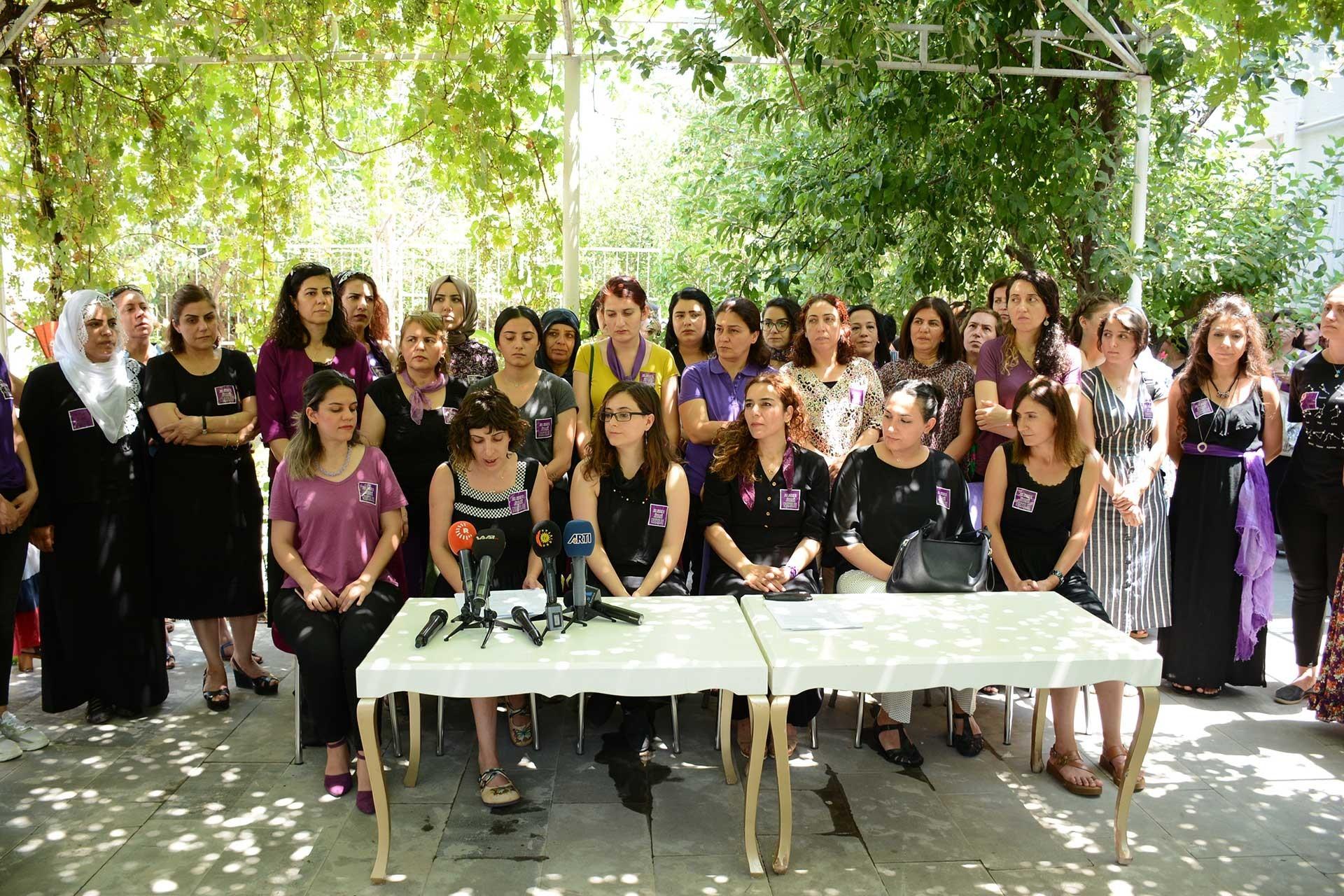Şiddetle Mücadele Ağı: Diyarbakır'da 4 ayda 954 kadın, 1716 çocuk şiddete uğradı