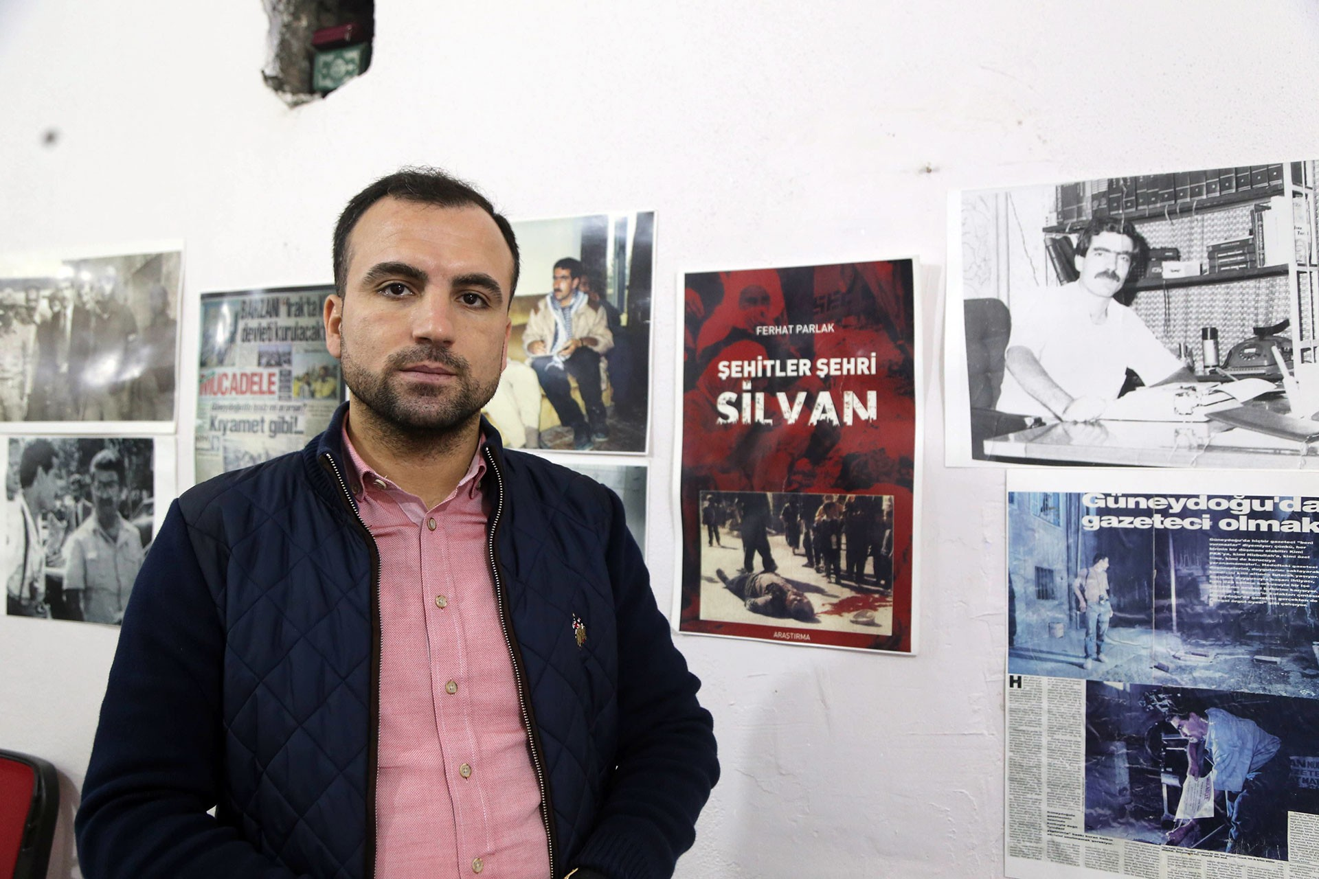 Gazeteci Parlak ilk duruşmada tahliye edildi