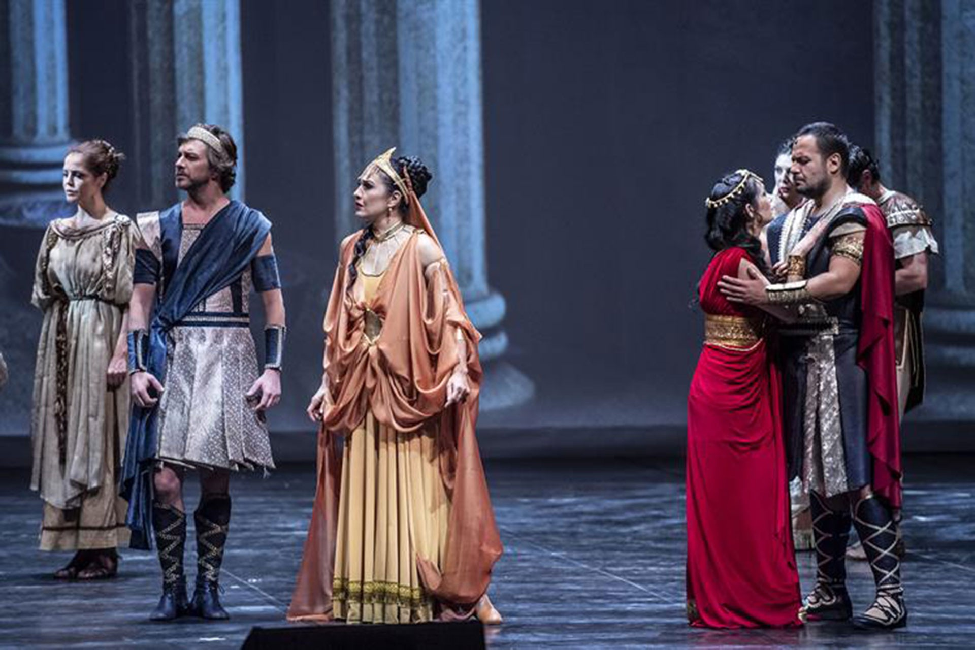 Dans ile operanın buluşması: Troya
