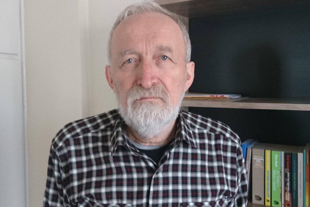 Cezaevindeki Gazeteci Hüseyin Aykol'a götürülen şapka cezaevine alınmadı!