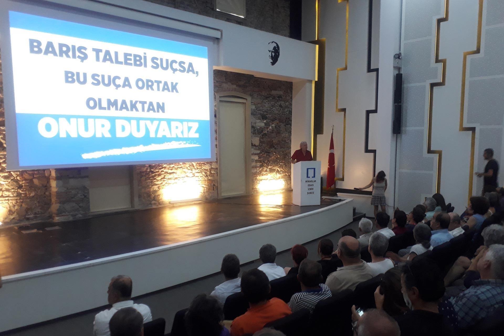 İzmir Emek ve Demokrasi Güçleri, barış akademisyenlerine desteğini yineledi