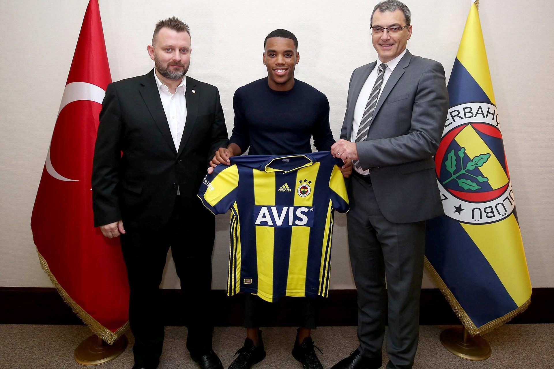 Fenerbahçe, Garry Rodrigues'i 2 yıllığına kiralık ve bedelsiz transfer etti