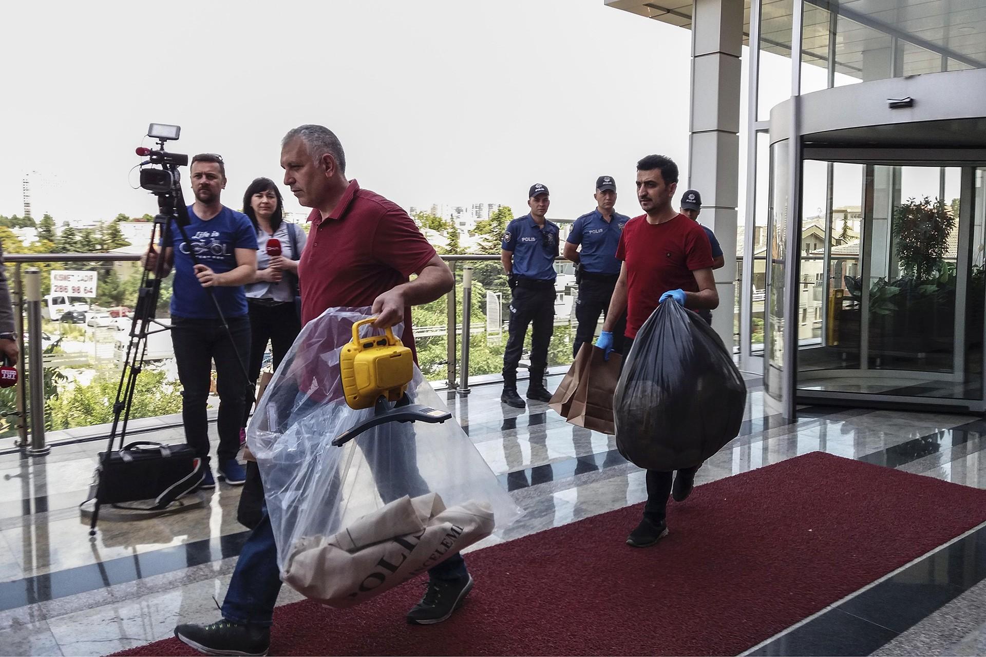 Şule Çet'in hayatını kaybettiği plazada bilirkişi eşliğinde inceleme yapıldı