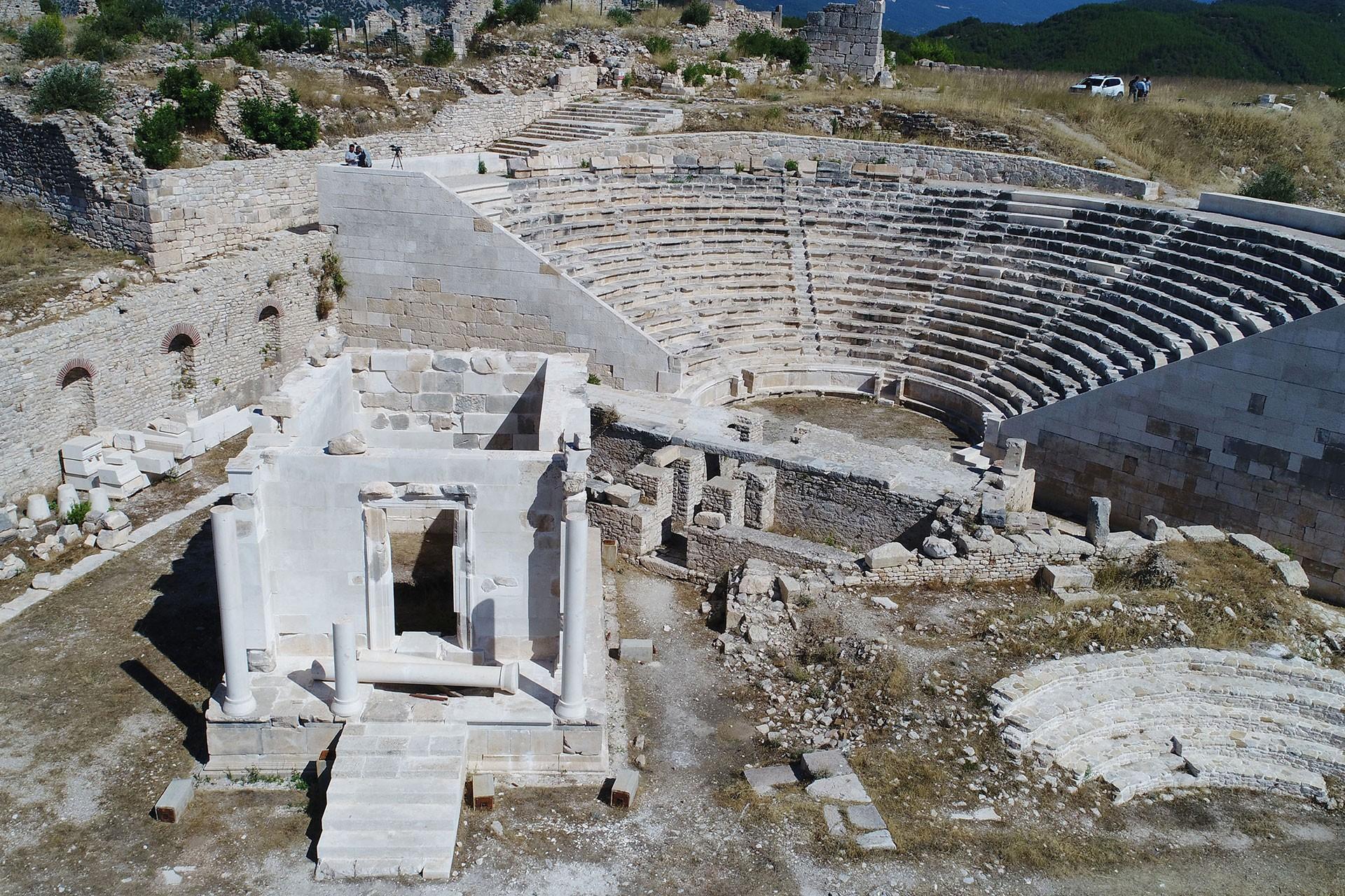 Opramoas Anıtı'nda hatalı restorasyon Meclis gündemine taşındı
