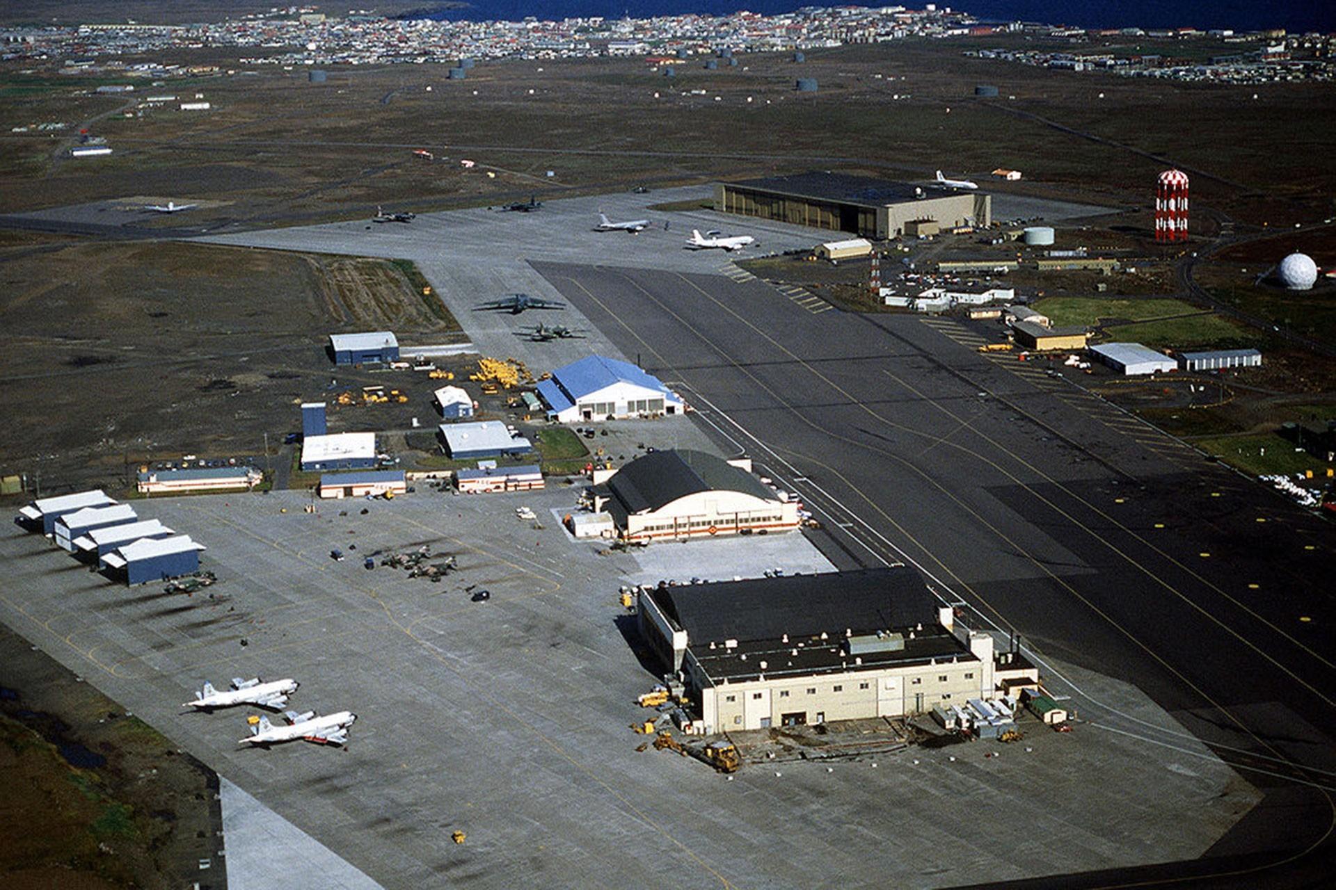 İzlanda halkı ABD'nin ülkedeki askeri varlığını güçlendirmesine karşı