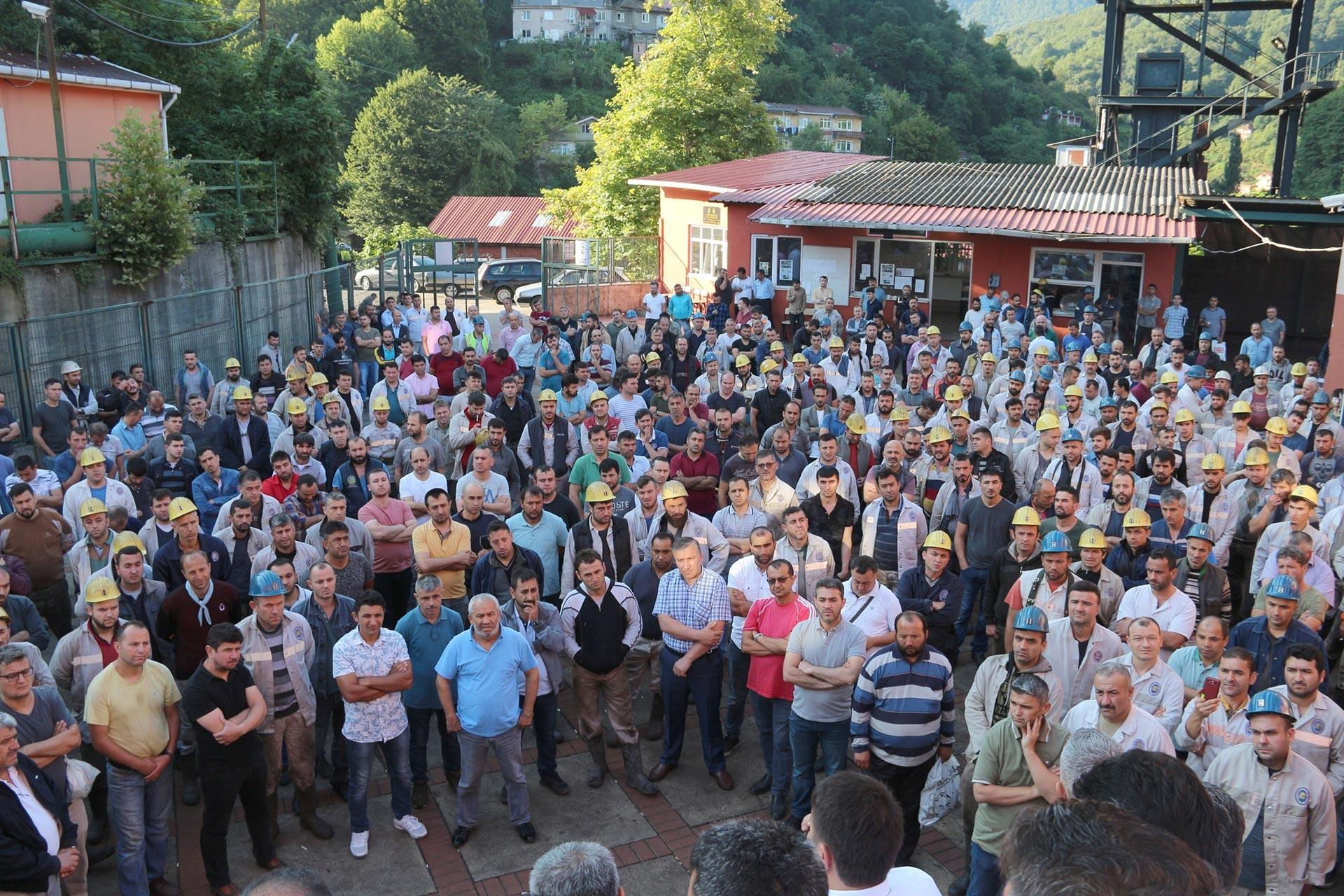 Maden işçisinden Türk-İş ve GMİS yöneticilerine TİS tepkisi