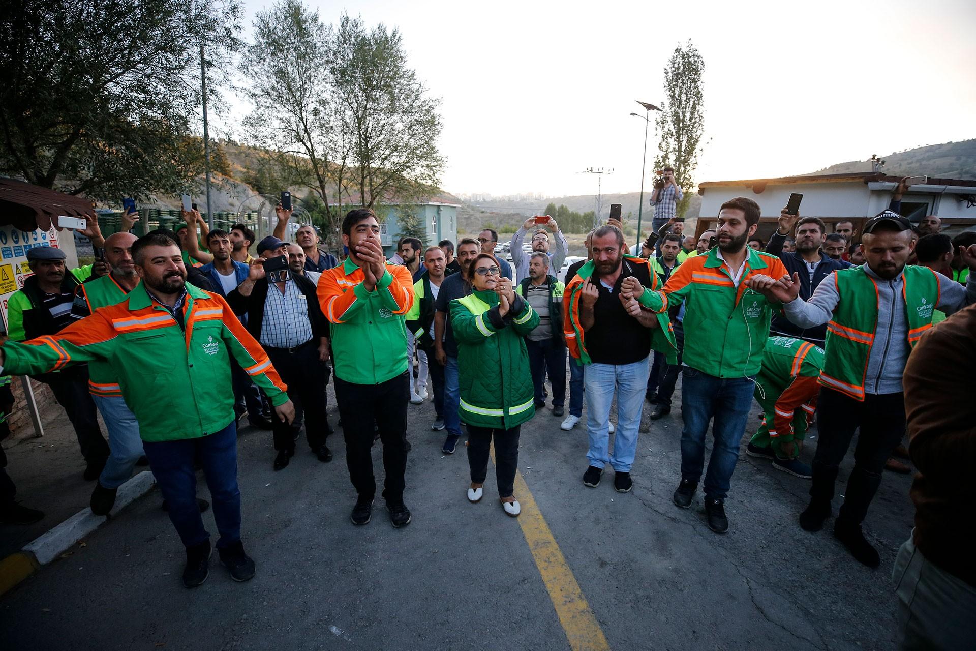 Çankaya Belediyesinde anlaşma sağlandı, temizlik işçileri iş başı yaptı
