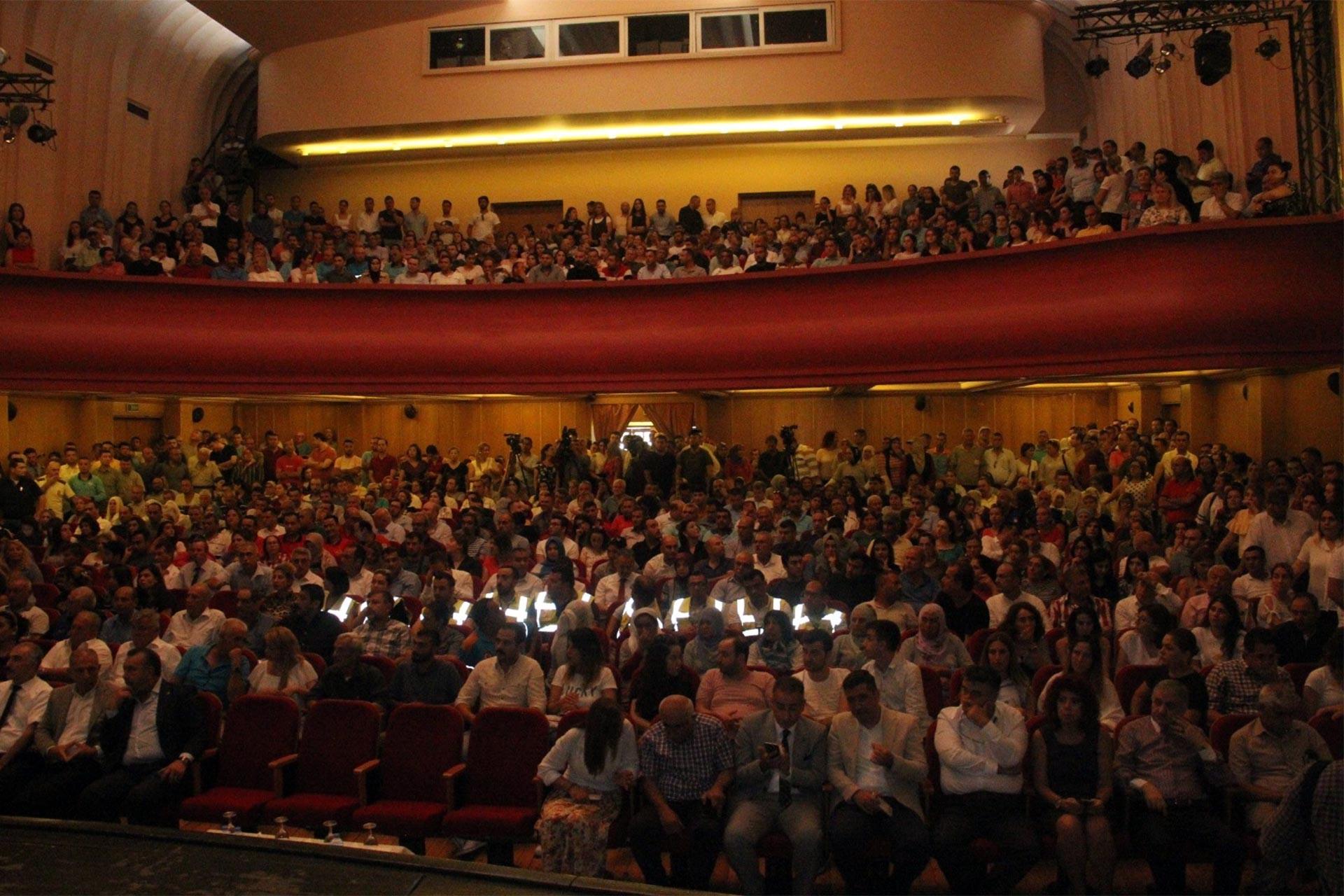 Ankara ve Adana'da büyükşehir belediye işçilerine bayram ikramiyesi ödenecek