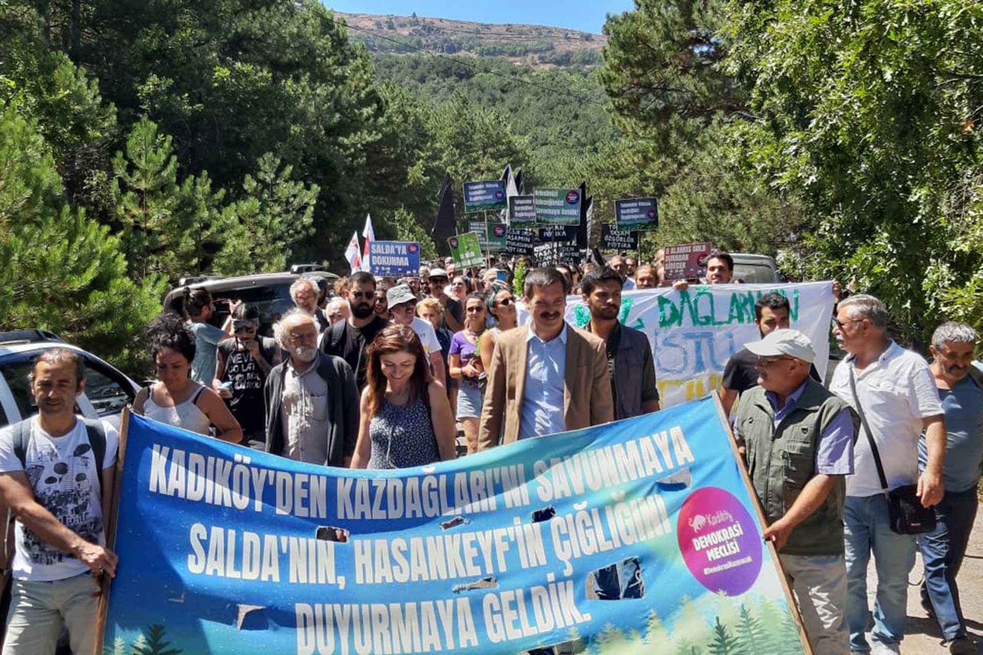 Kaz Dağları direnişine kitlesel ziyaret: Beraber dur dersek başarırız