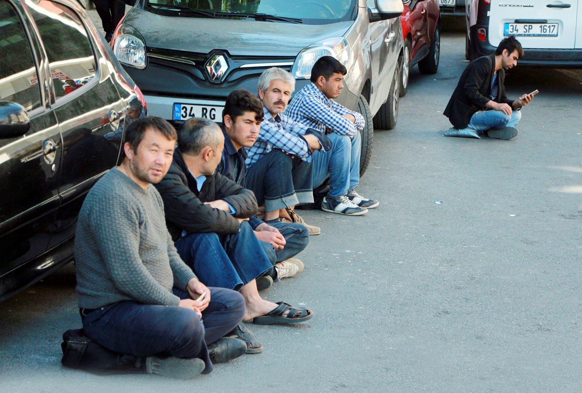 Mülteci işçiler: Artık iş için işçi pazarında bile bekleyemiyoruz