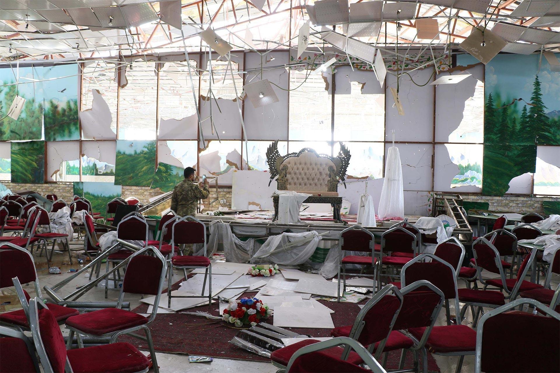 'Barış' bekleyen Afganistan'da düğüne saldırı: En az 63 kişi öldü