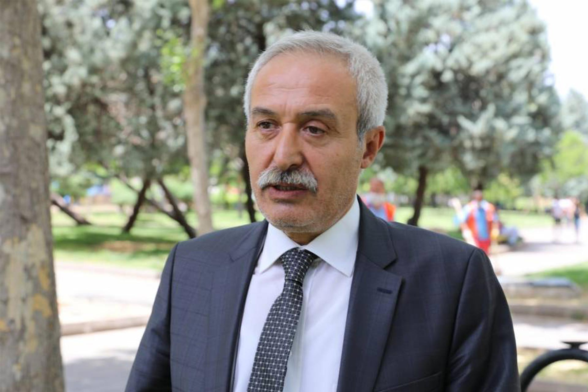 HDP'li belediyelere operasyon: Mızraklı ve 3 ilçe belediye eş başkanı gözaltında