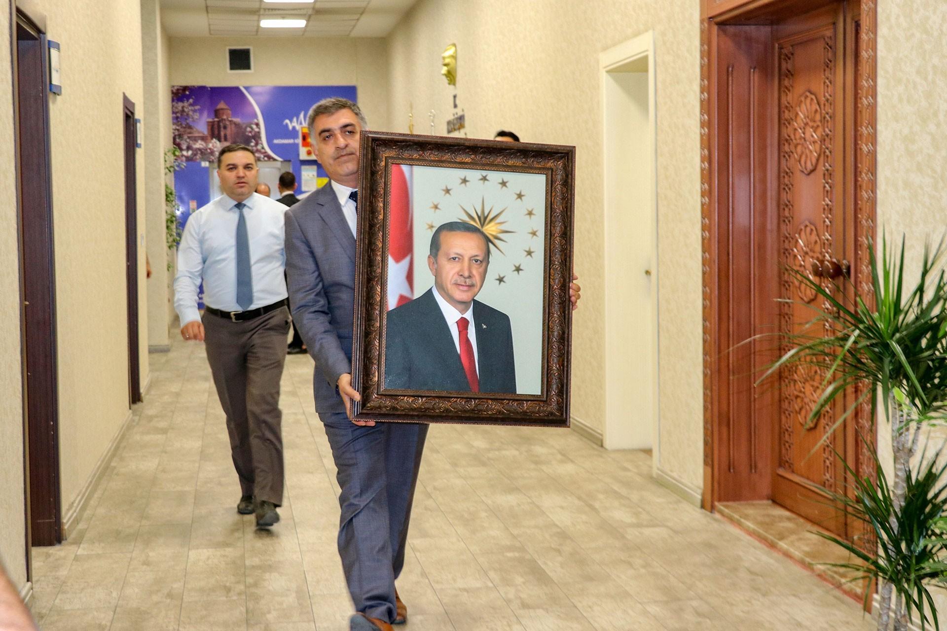 Fırat'ın doğusunda dolanıp Diyarbakır'a kayyum atamak!