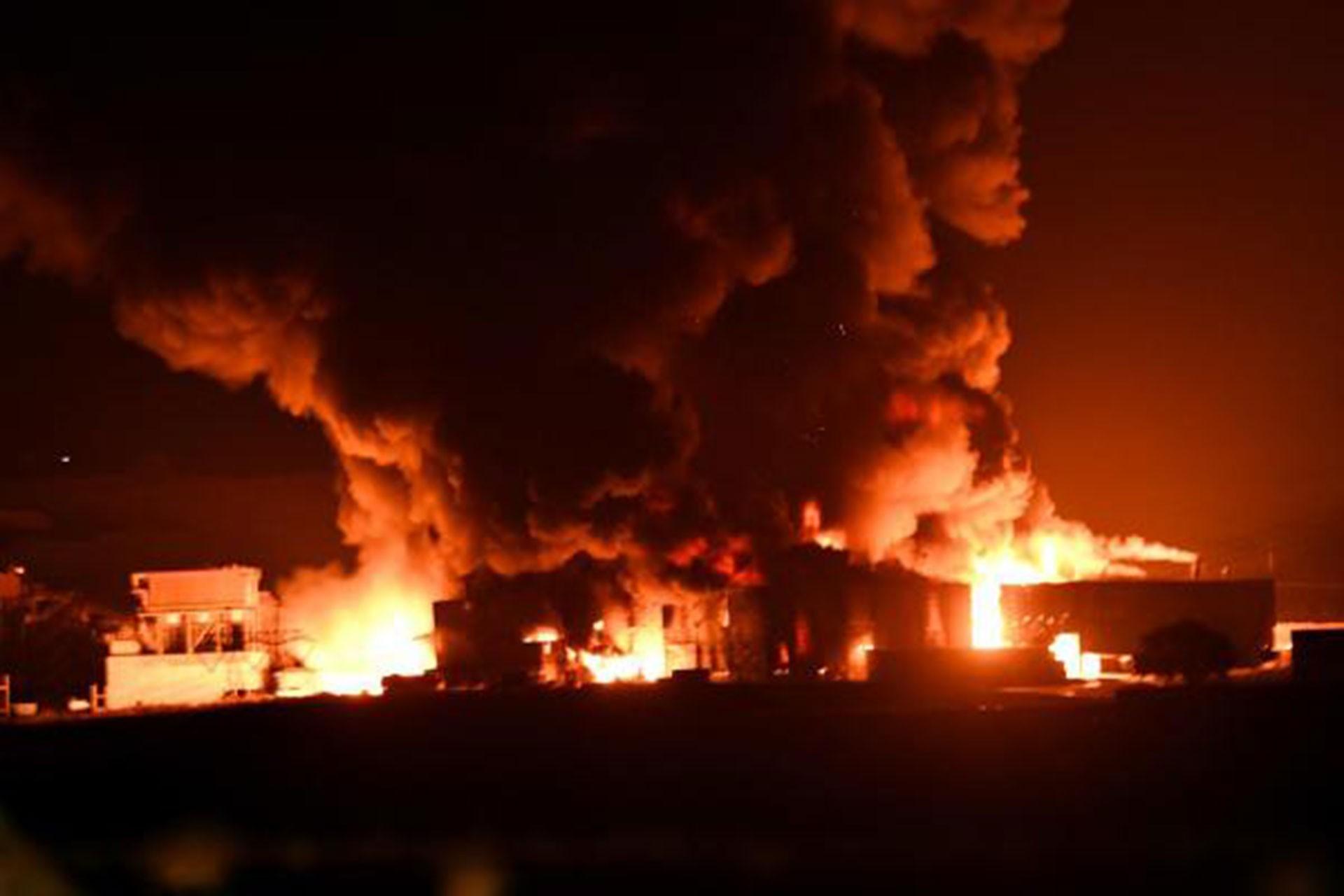 Çorlu'da geri dönüşüm fabrikasında yangın çıktı