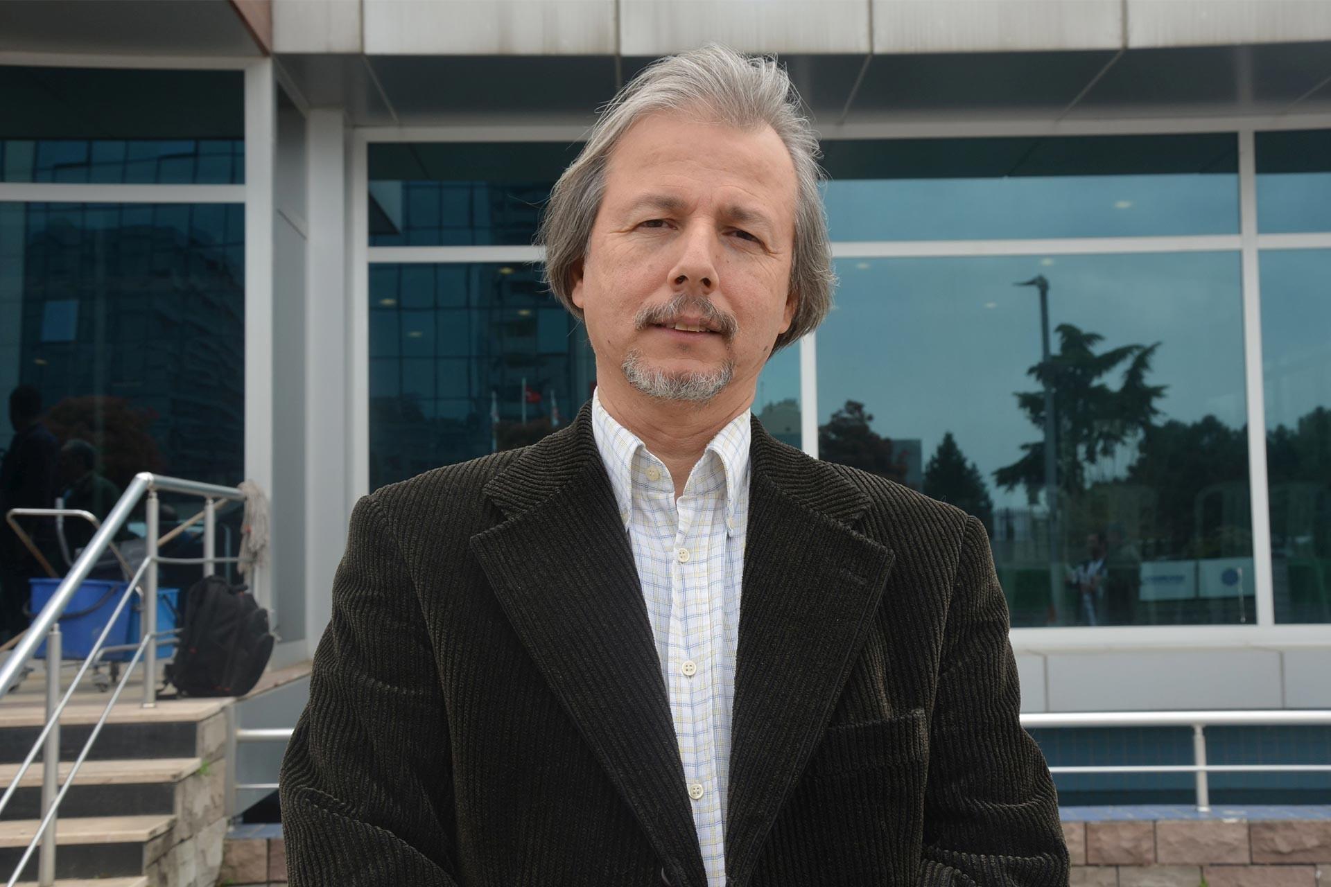 Prof. Dr. İlhan Uzgel: Türkiye İdlib'de sıkışmışlığın bedelini ödüyor